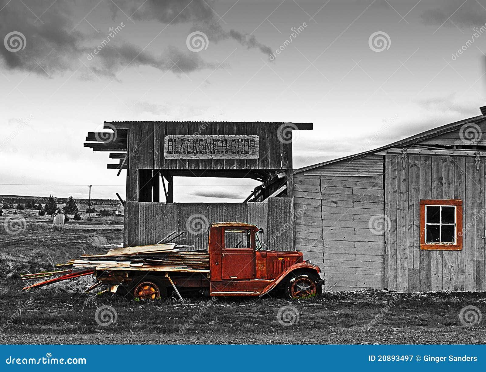 古色古香的锻工hdr界面卡车