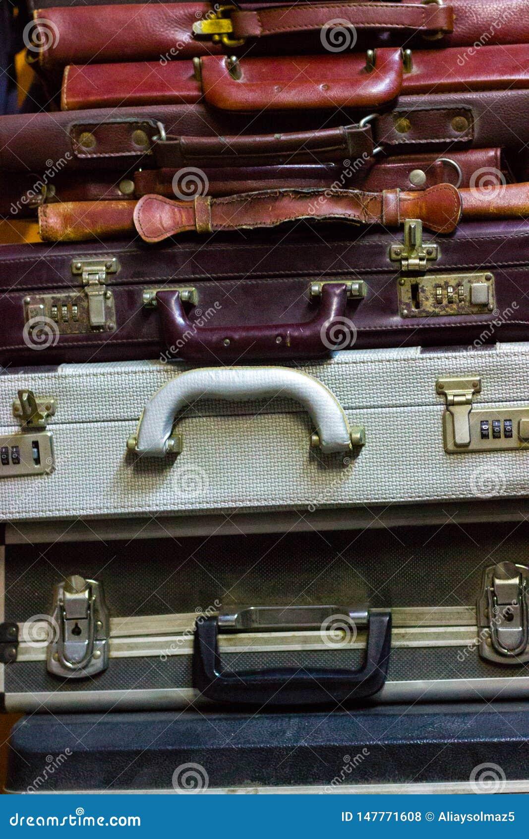 古色古香的项目,使用的公事包,公文包汇集