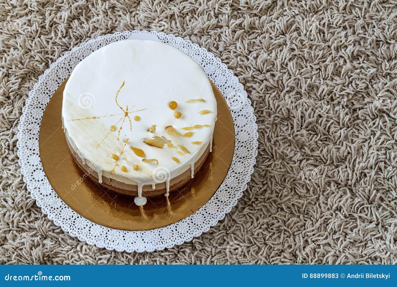 可口自创巧克力大理石生日蛋糕装饰与