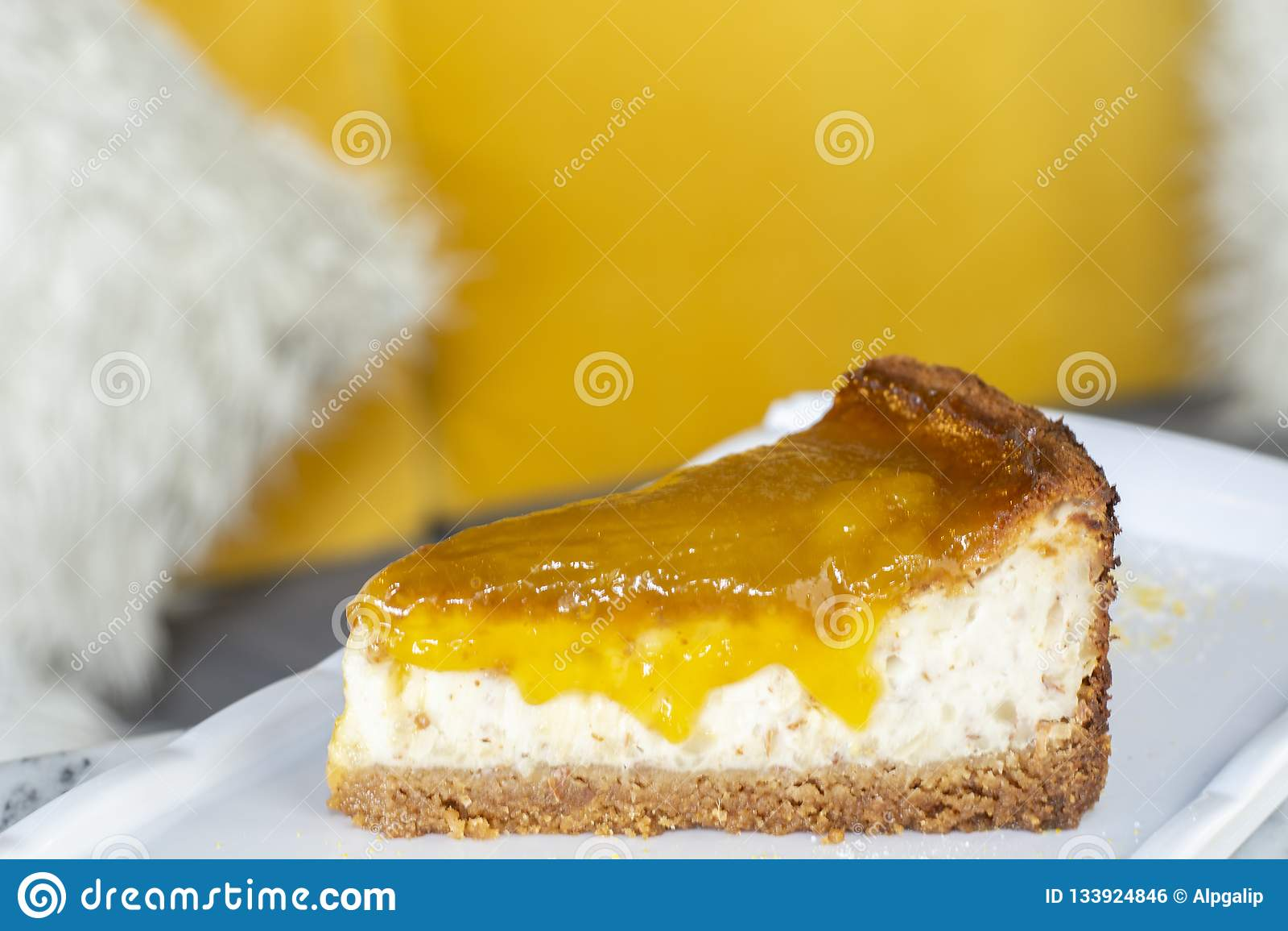 可口芒果石灰乳酪蛋糕