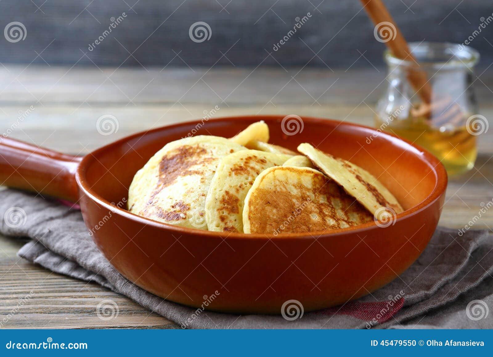 可口蜂蜜薄煎饼