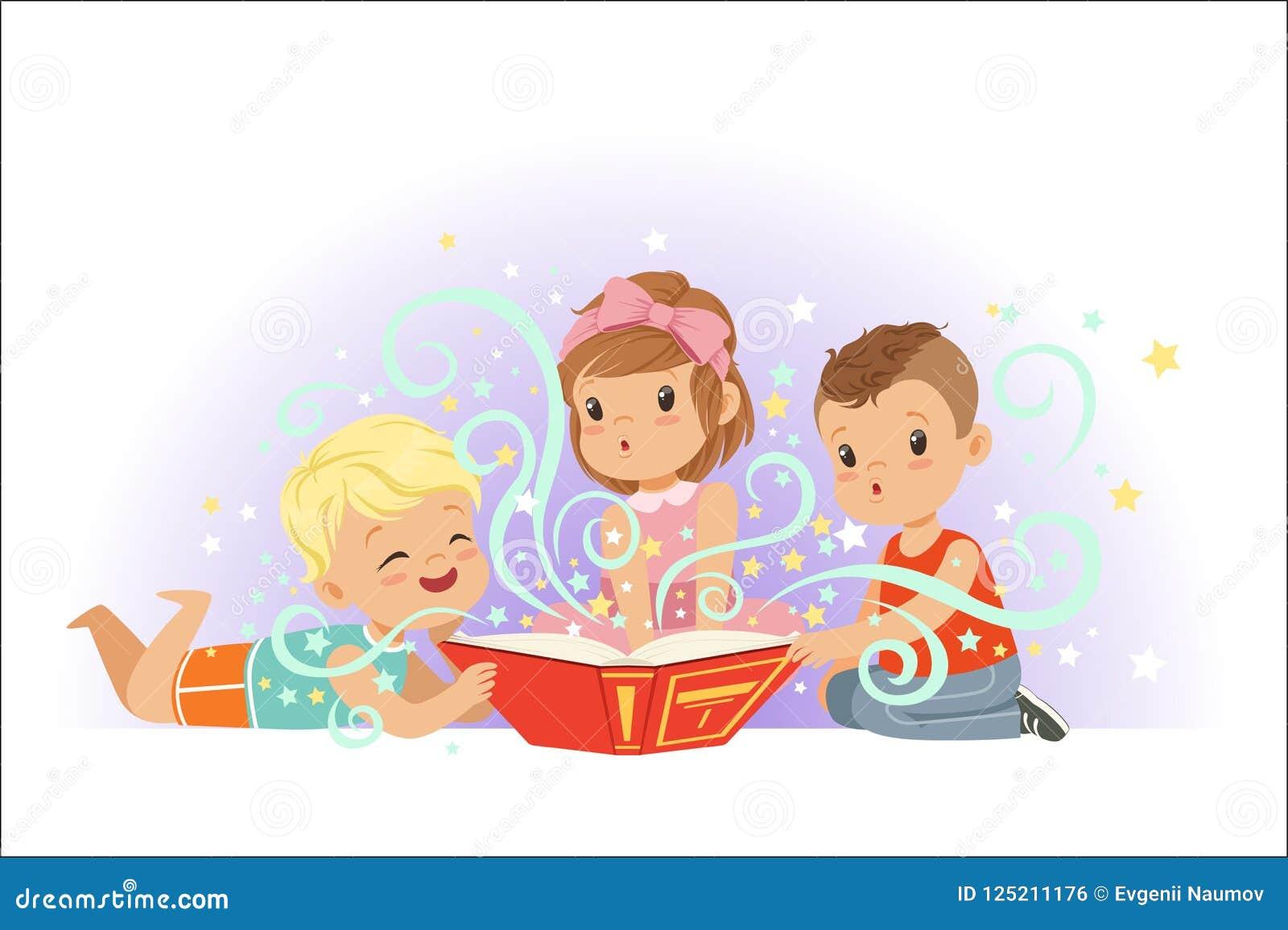可爱的坐和读童话的小男孩和女孩被设置 哄骗美妙的想象力传染媒介例证