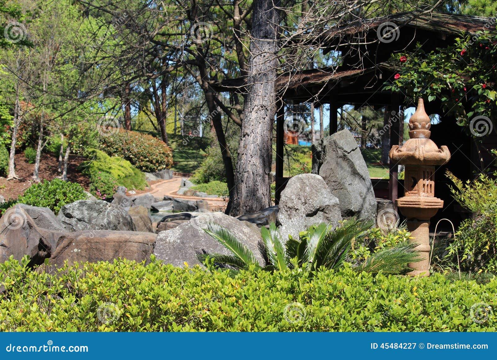 可爱的日本庭院