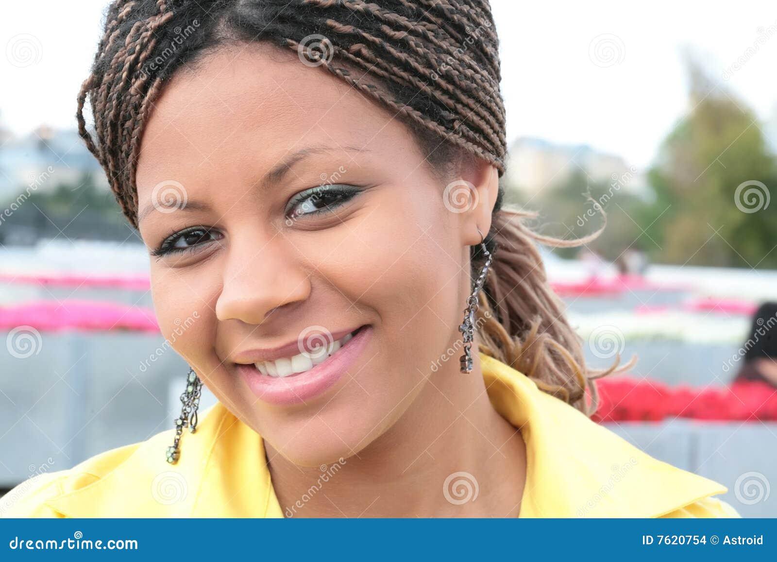 可爱的黑人妇女