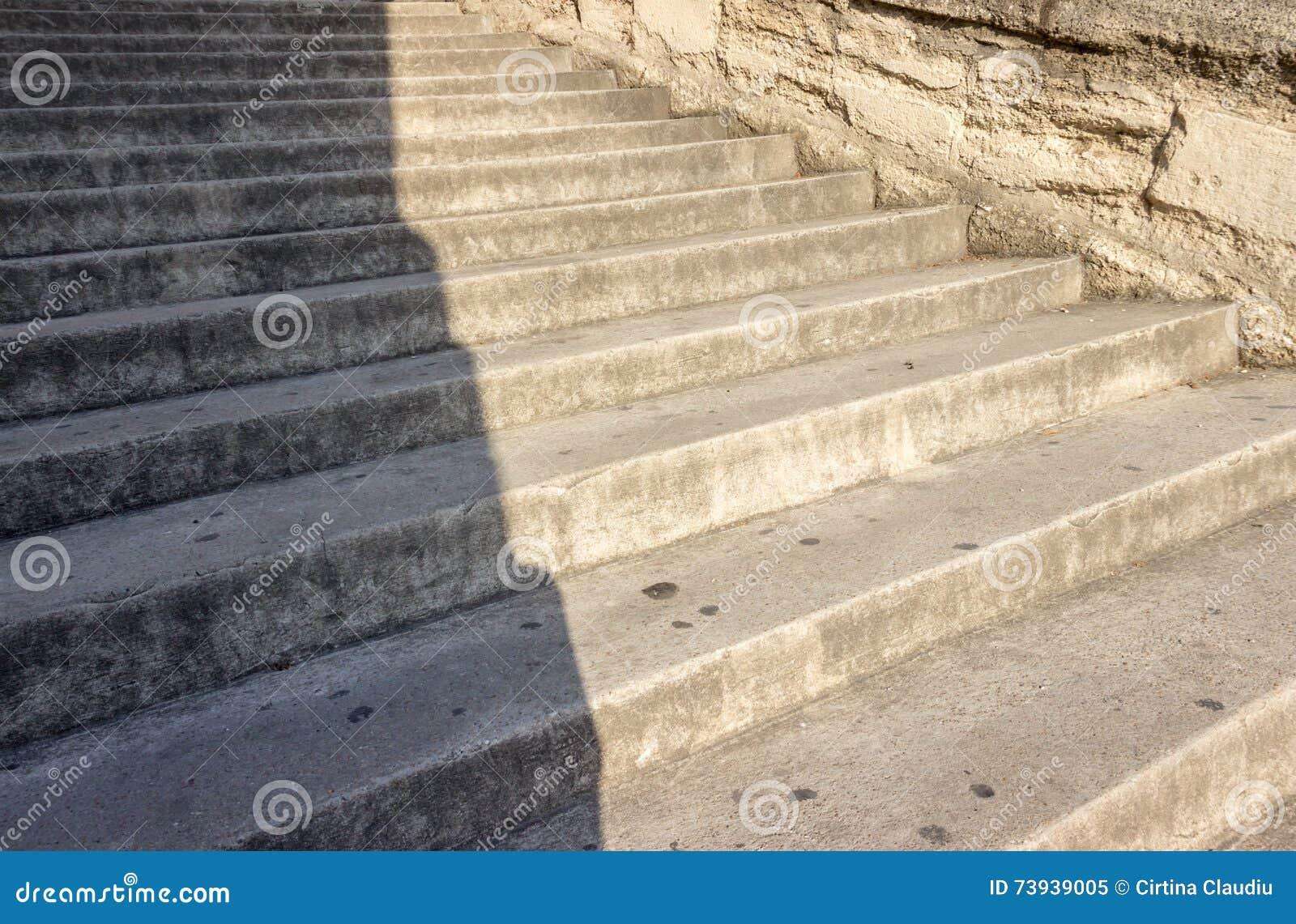 台阶步库存图片. 图片包括有拱道, 抽象, 影子, 线路, 台阶, 操作的, 对 ...