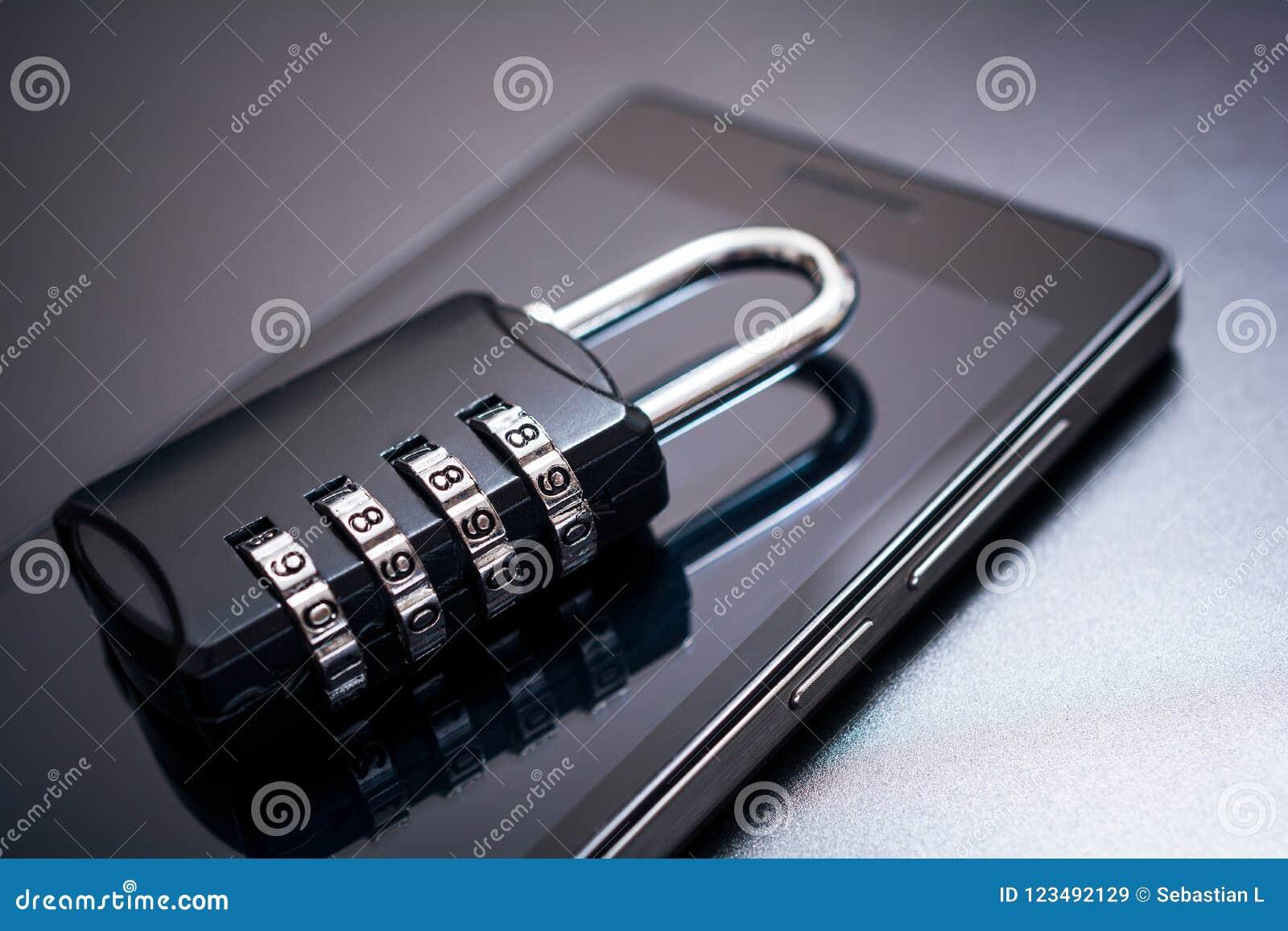 号码锁说谎在一个手机的- App安全概念