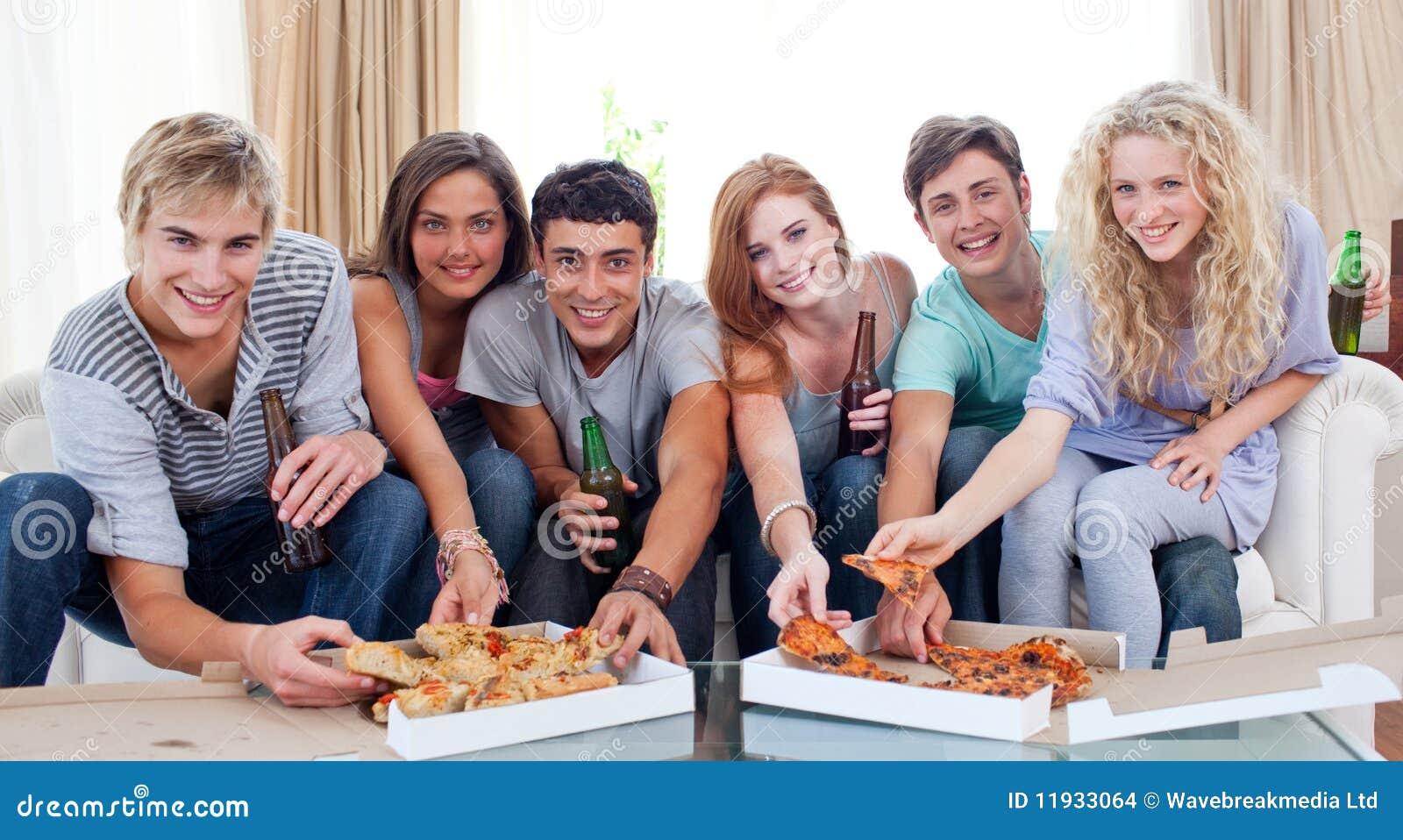 吃朋友在家薄饼