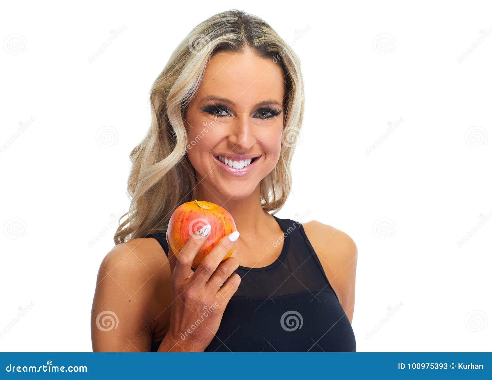 吃苹果的妇女