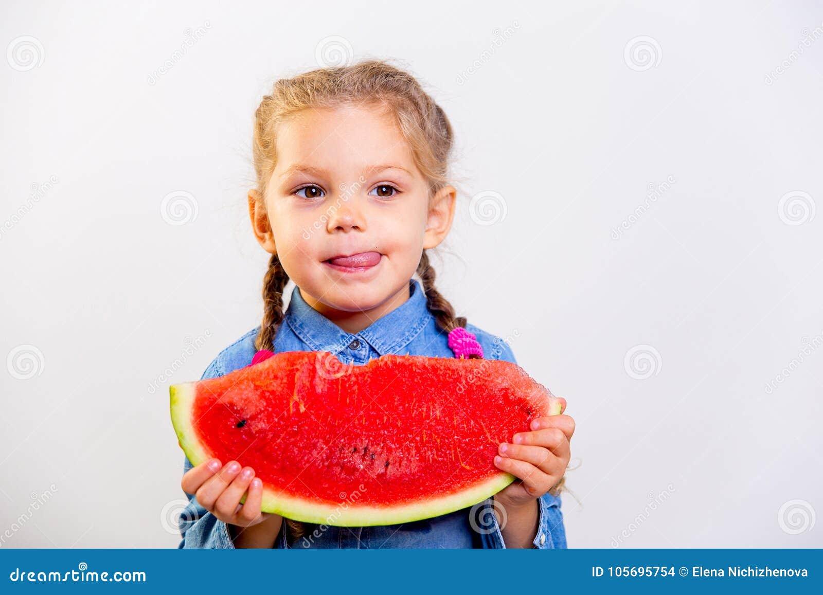 吃西瓜的孩子