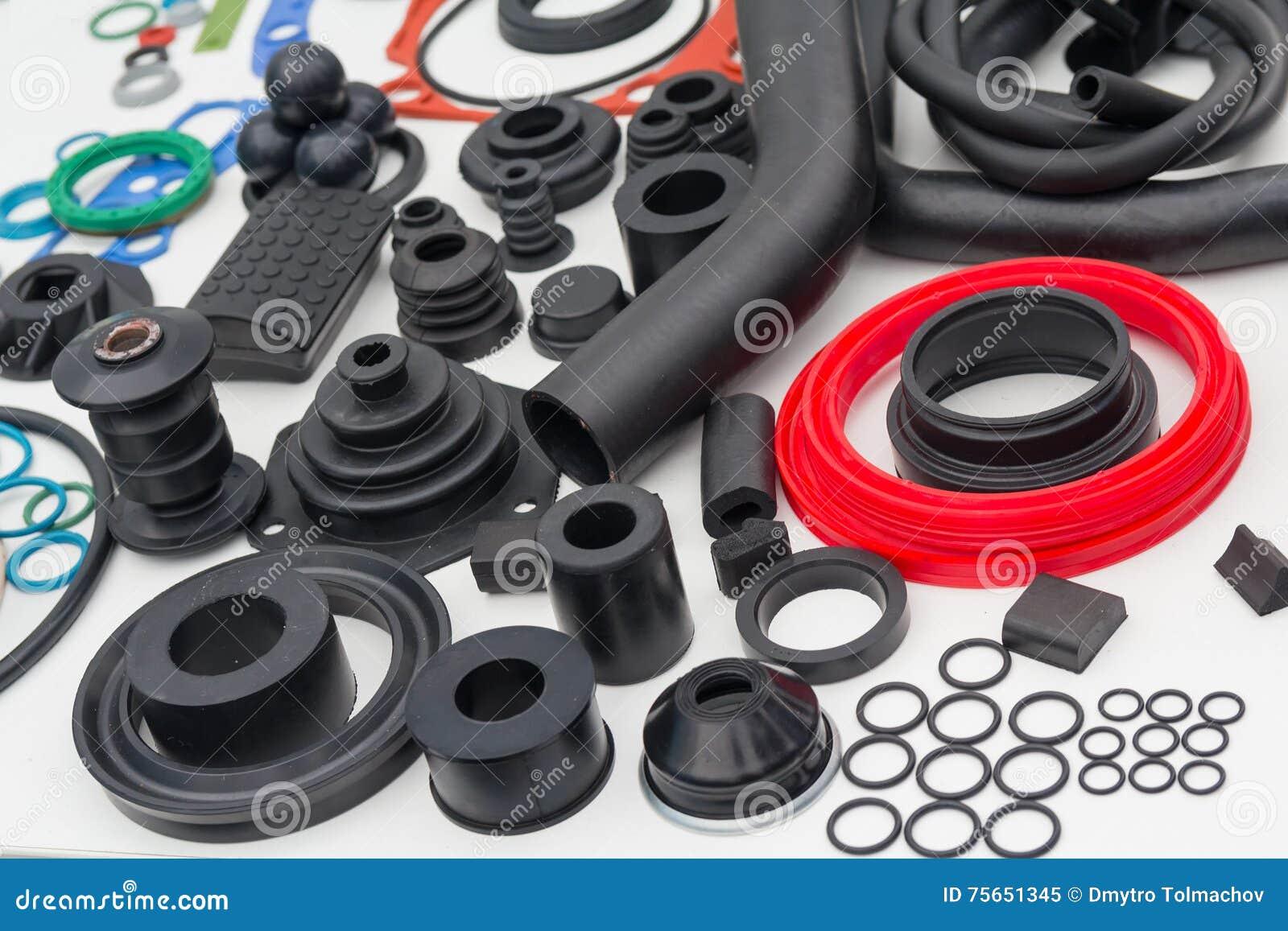 各种各样的橡胶产品和海豹捕猎产品在陈列s