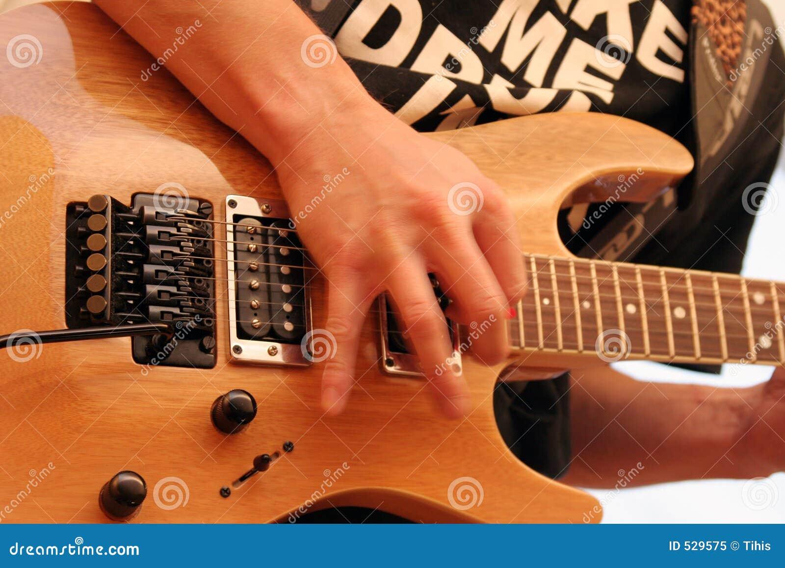 Download 吉他演奏员 库存图片. 图片 包括有 仪器, 球员, 人们, 作用, 吉他, 音乐, 困难, 脖子, 说明, 现有量 - 529575