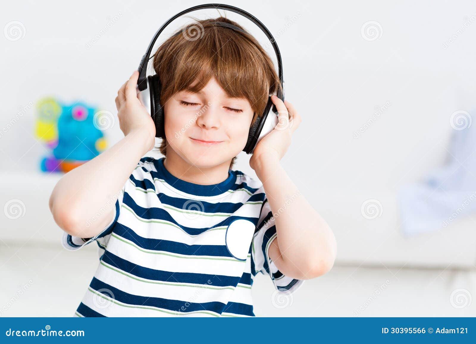 听到音乐的男孩