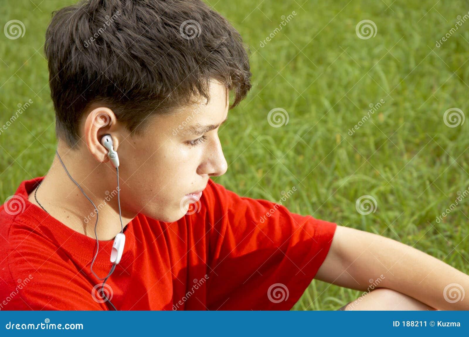 听MP3播放器十几岁
