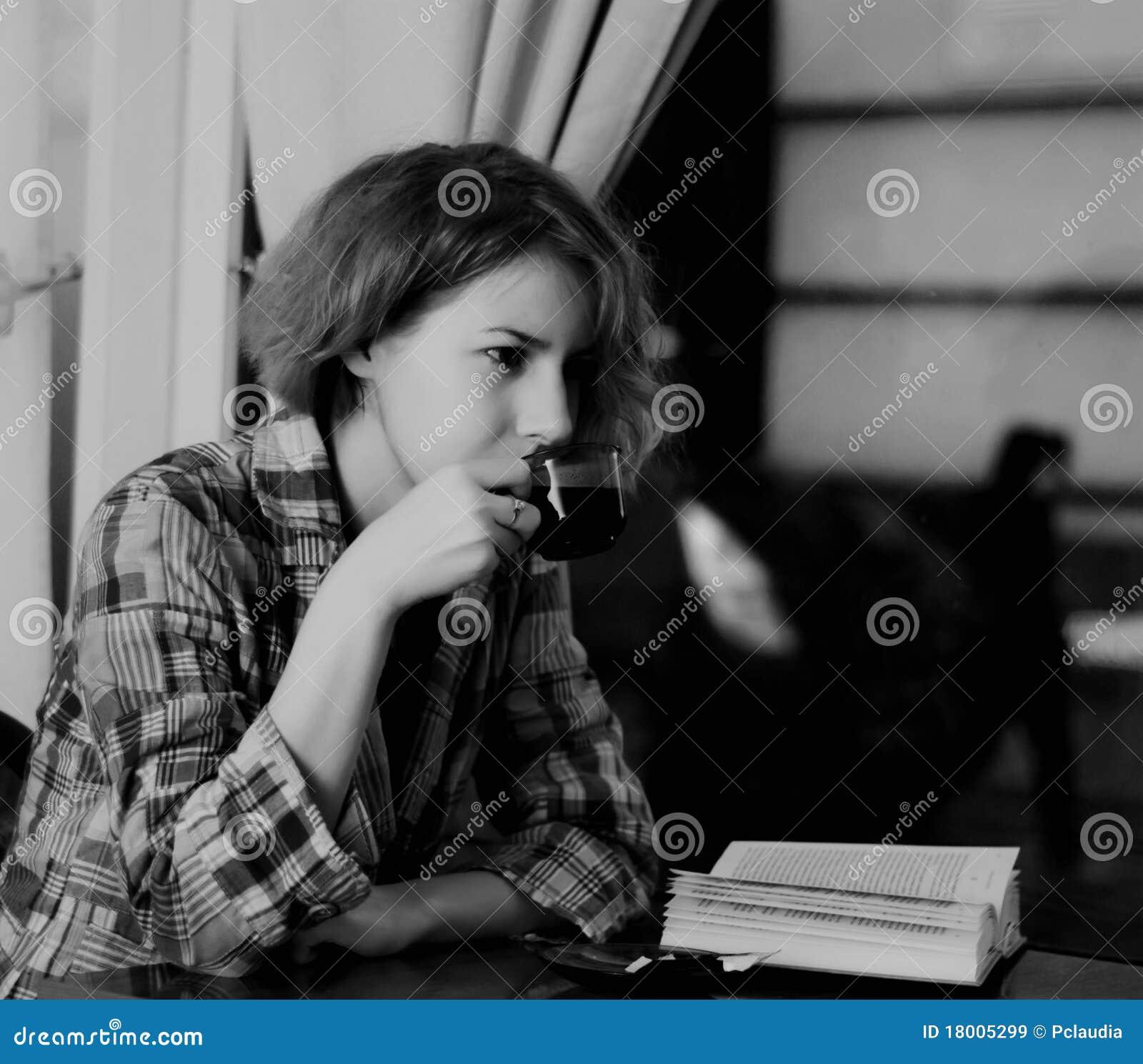 咖啡女孩界面