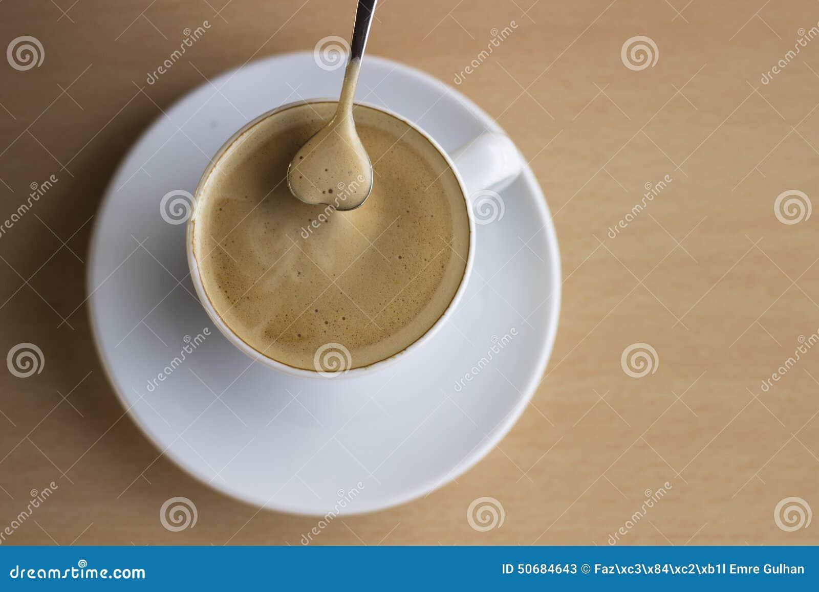 Download 咖啡杯重点 库存图片. 图片 包括有 颜色, 制动手, 咖啡, 背包徒步旅行者, 放松, 多个, 液体, 巧克力 - 50684643