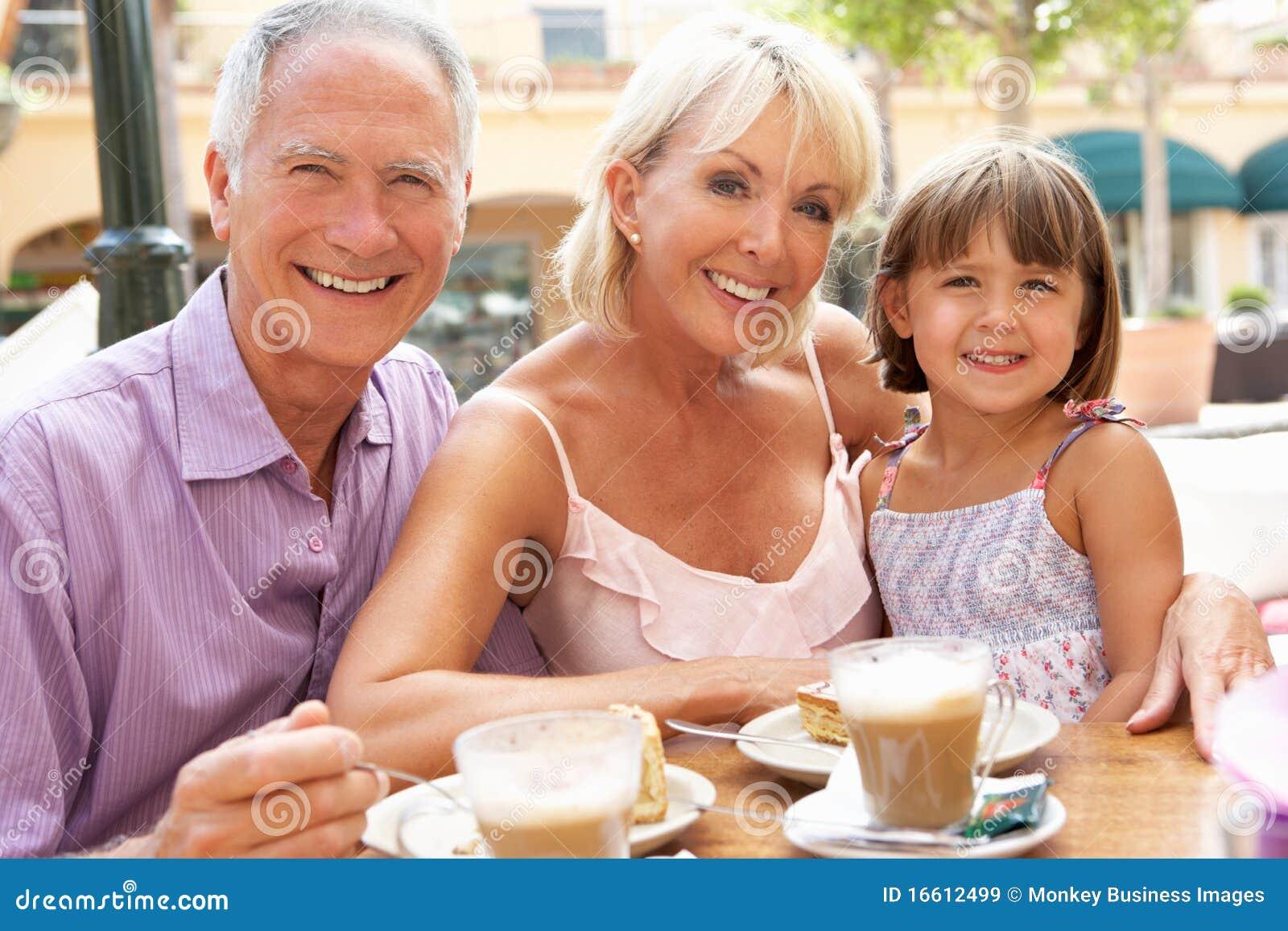 咖啡馆孙女祖父项