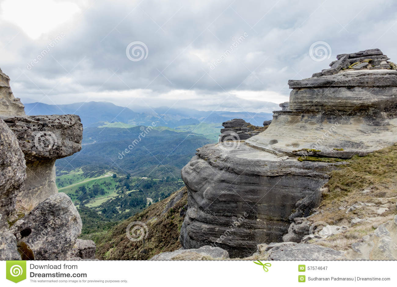 响铃岩石详细的层数
