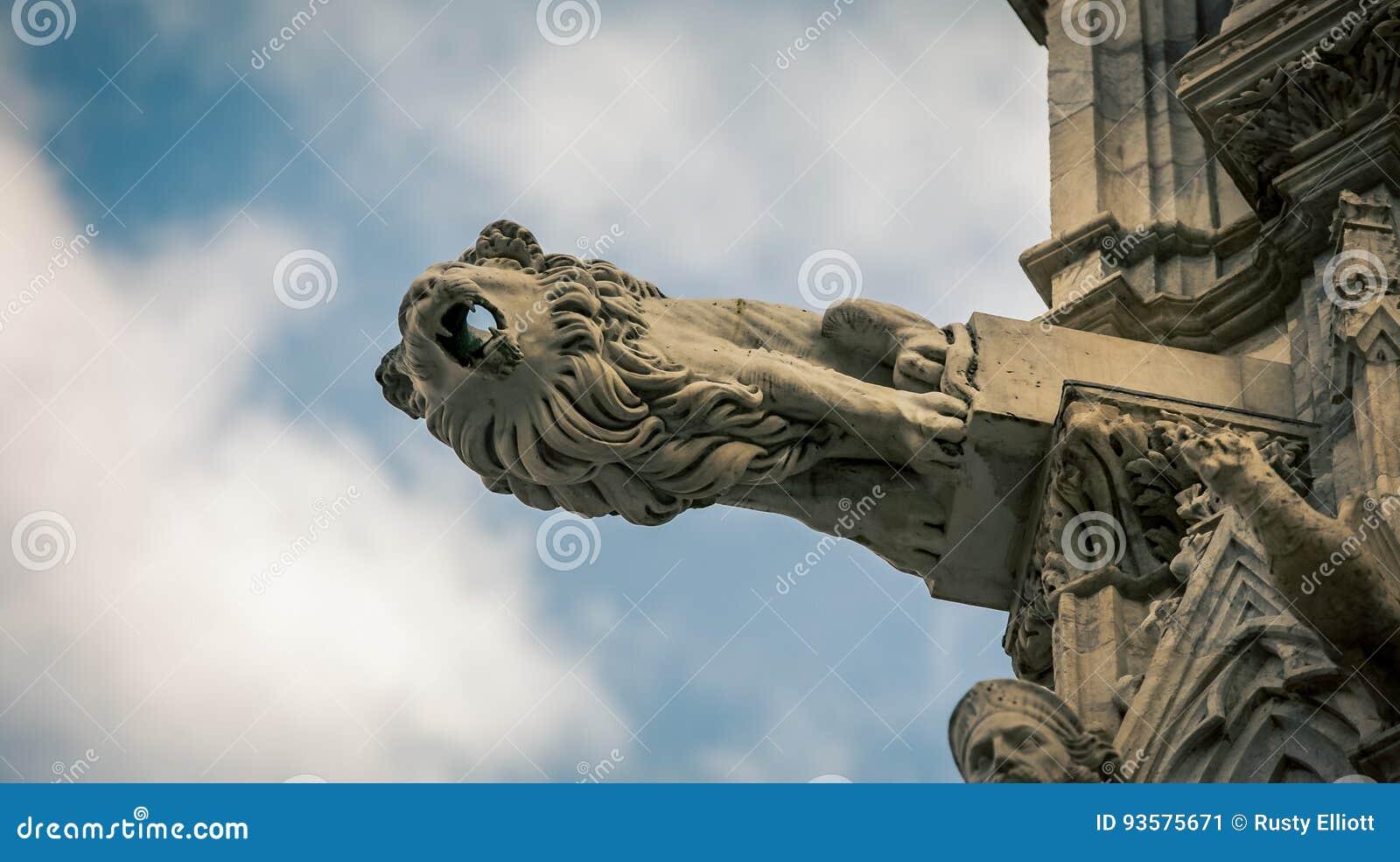 download 哥特式狮子雕象 库存图片.图片