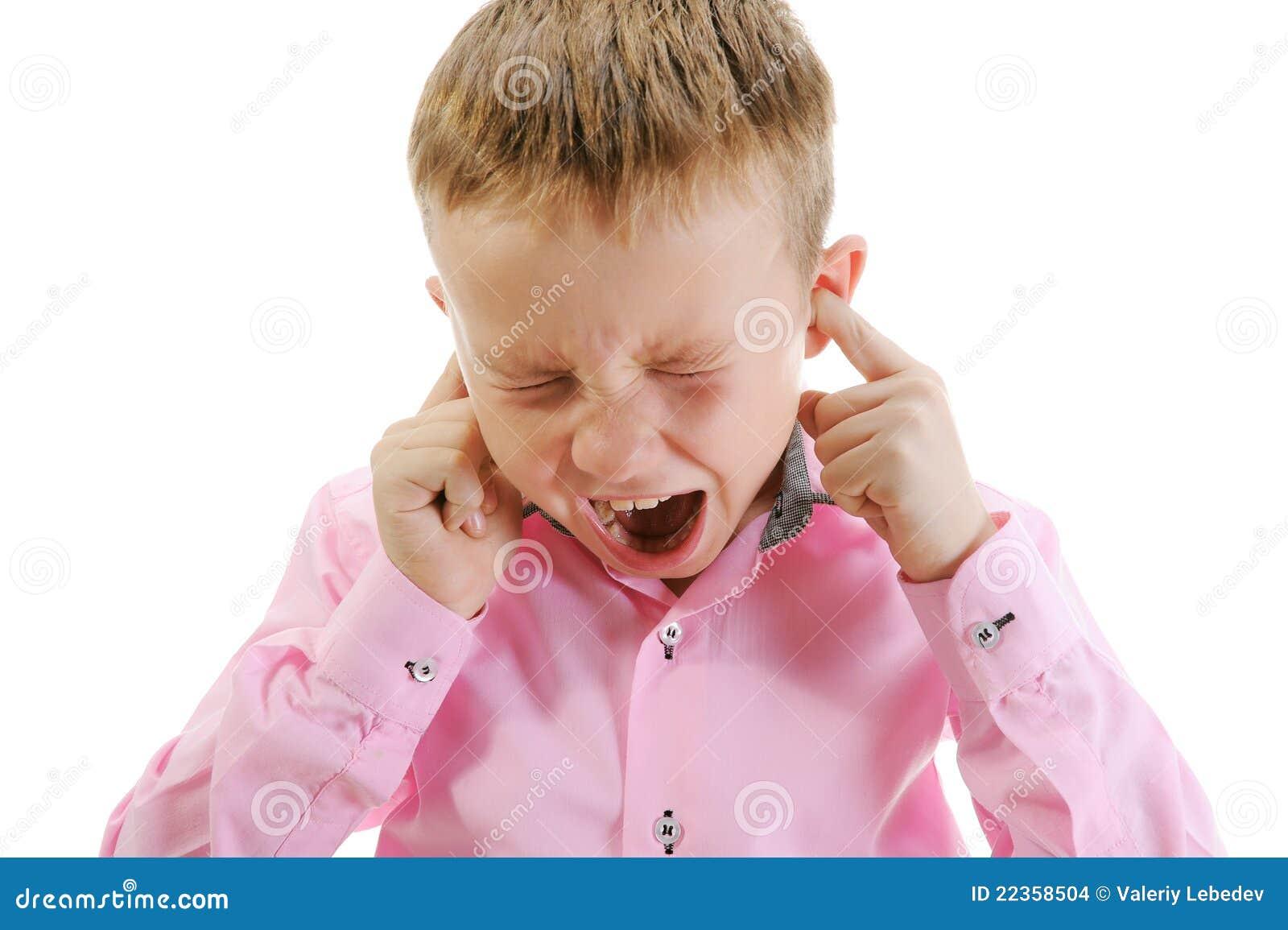 哭泣的男孩