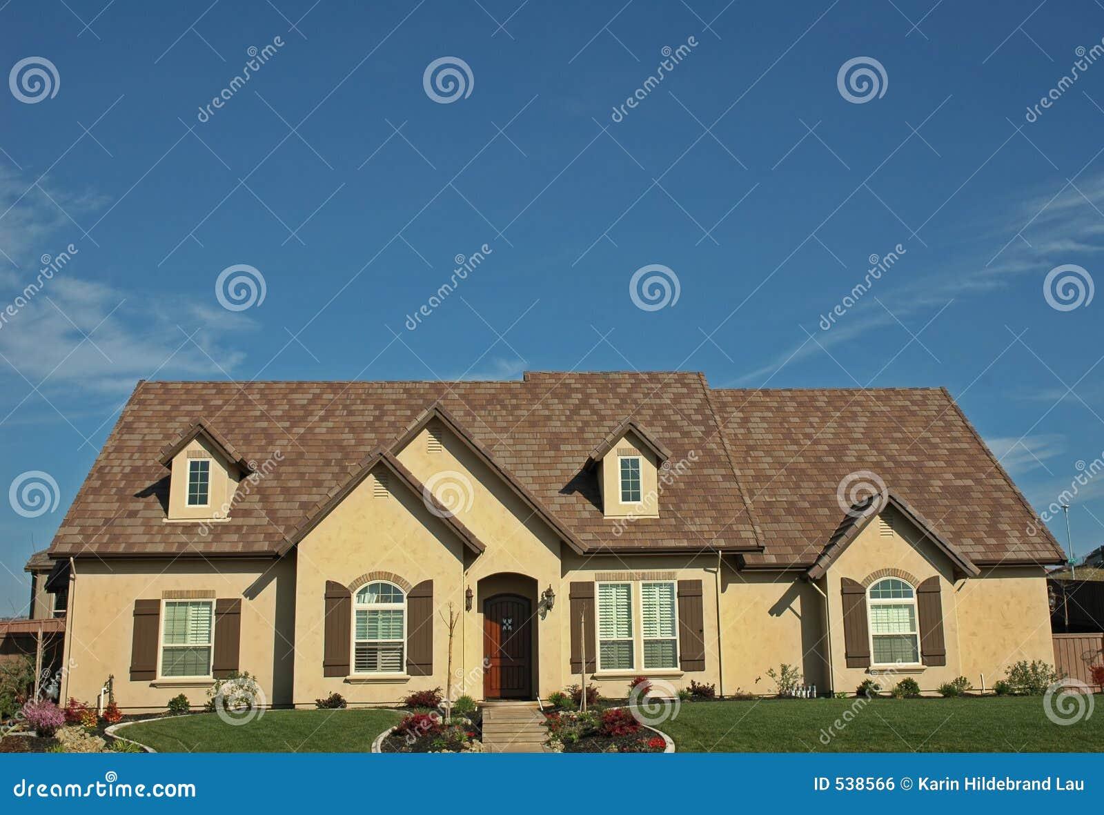 Download 唯一的房子 库存照片. 图片 包括有 围场, 抵押, 视窗, 消耗大, 生活方式, 唯一, 梦想, 快门, 房子 - 538566