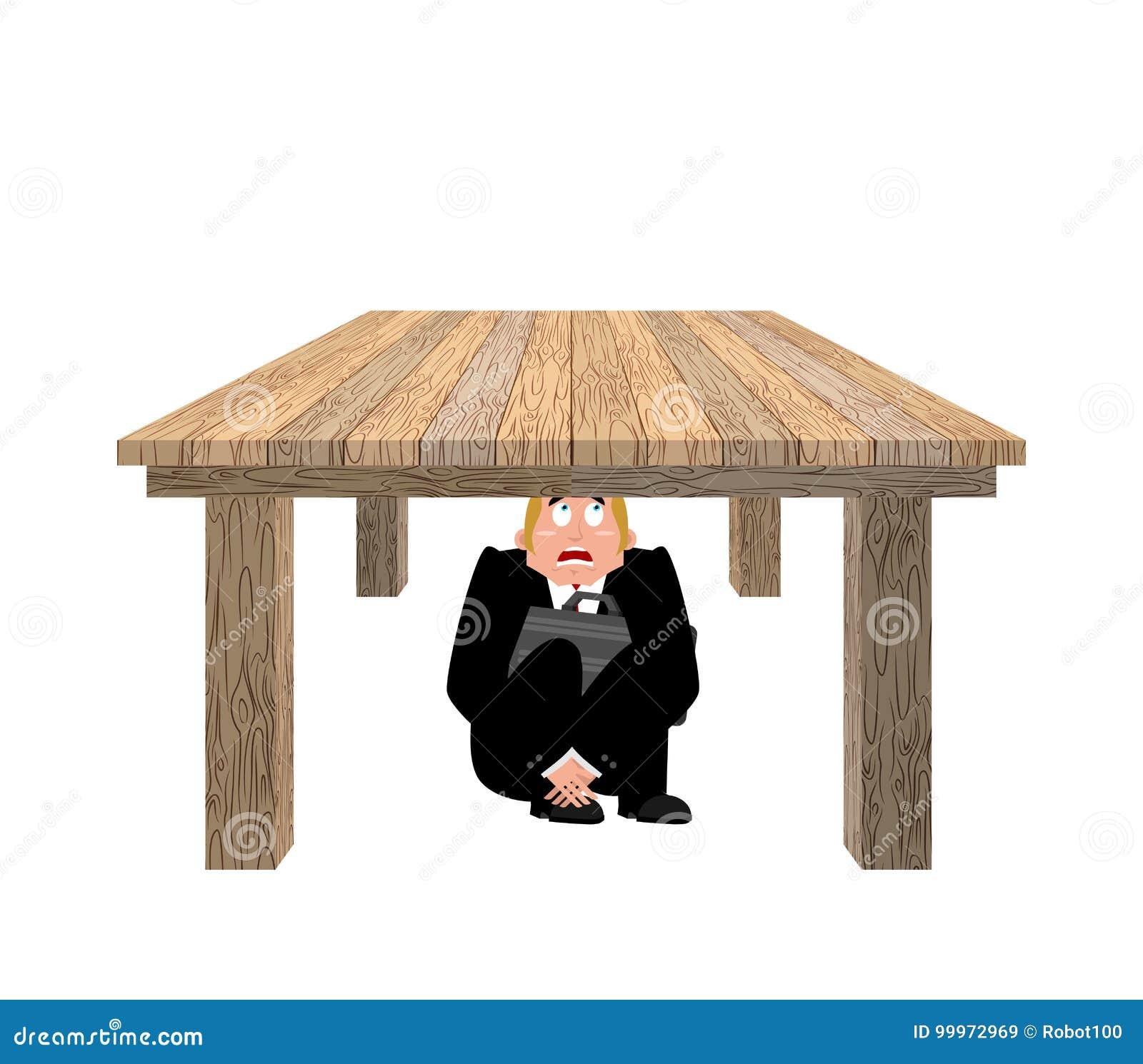 商人被惊吓在桌下 在wo下的害怕商人