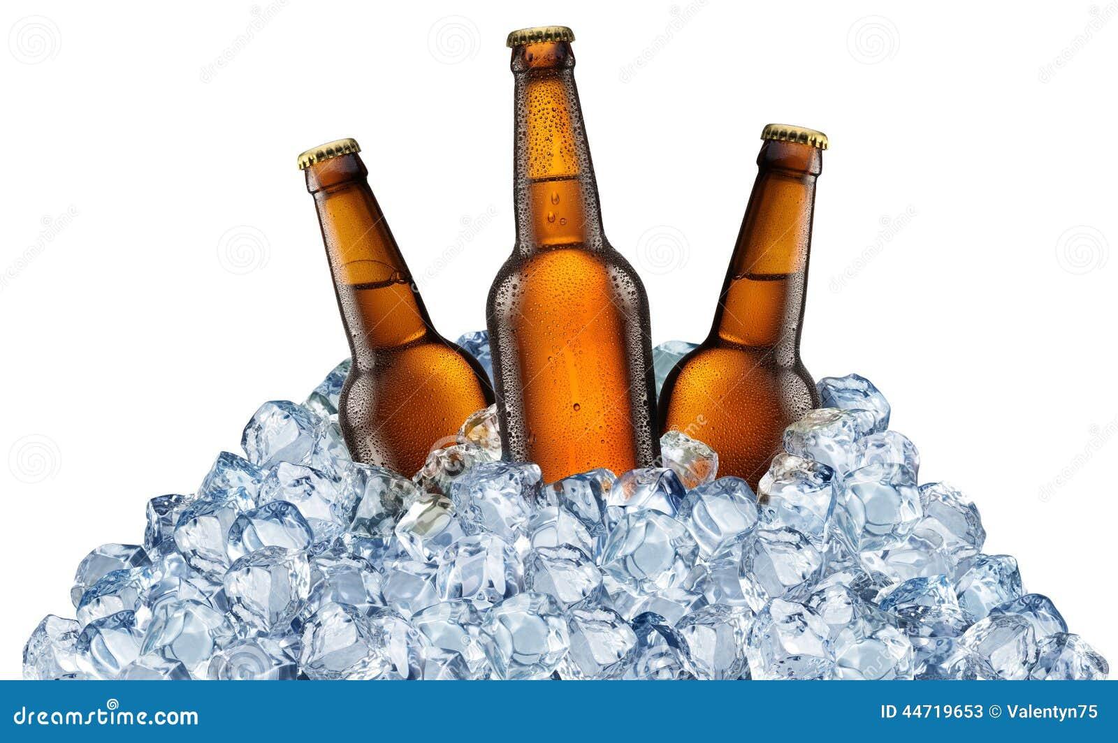 啤酒瓶冷却获得冰查出的桔子三的多维数据集
