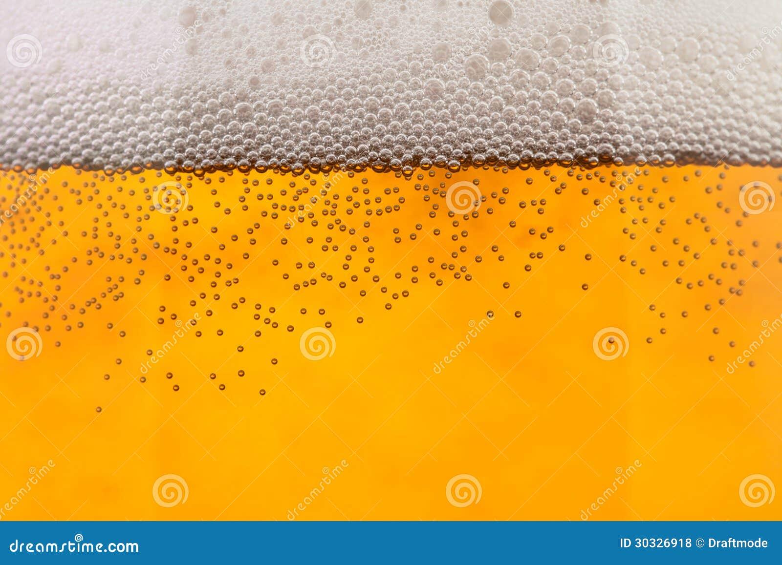 啤酒起泡特写镜头