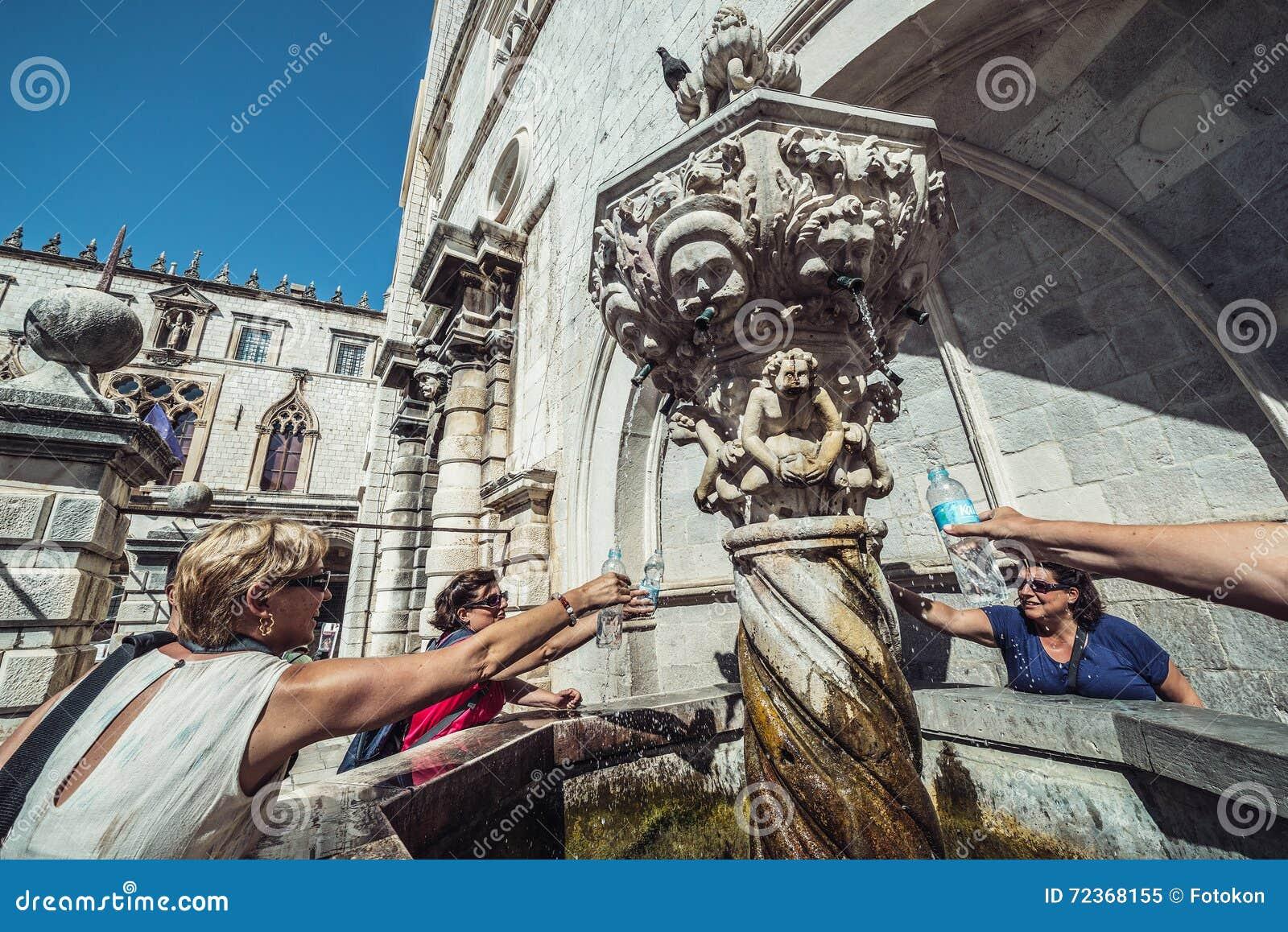 喷泉在杜布罗夫尼克
