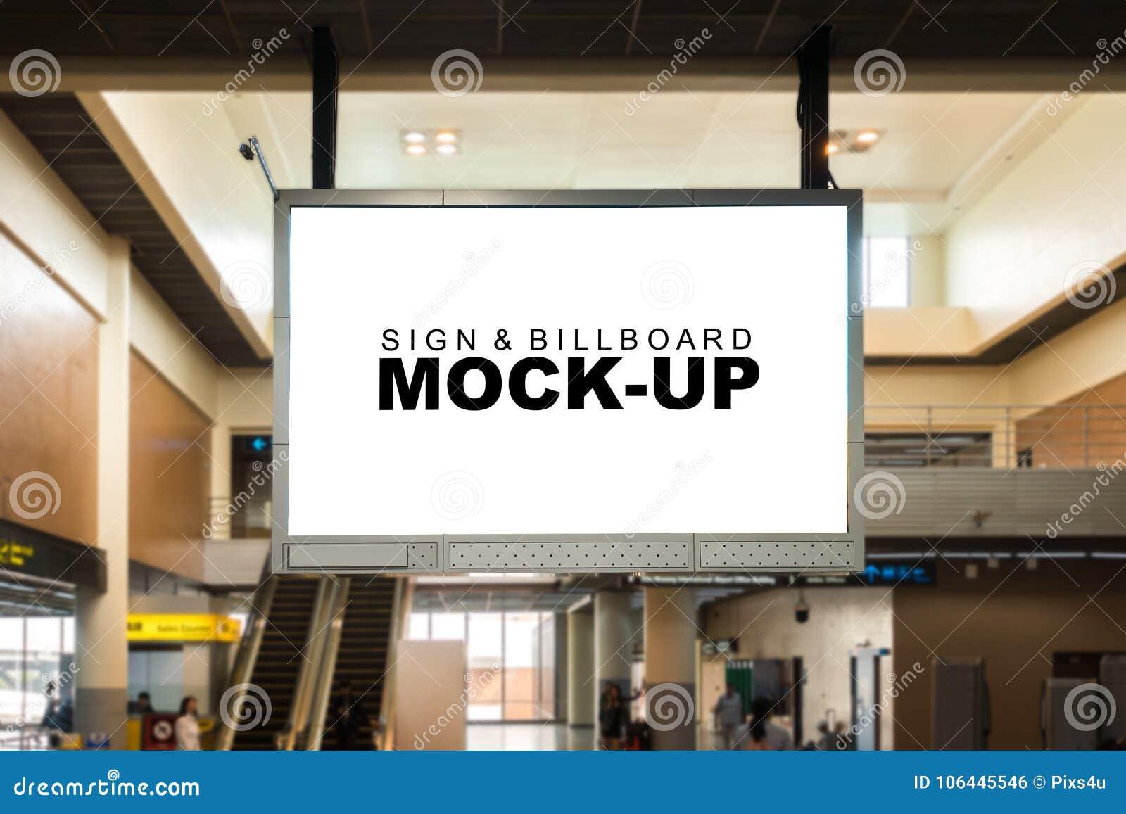 嘲笑垂悬从天花板的空白的广告广告牌