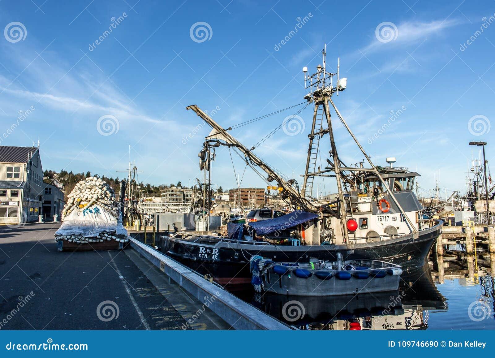围网渔船在渔夫` s终端停泊了在西雅图华盛顿