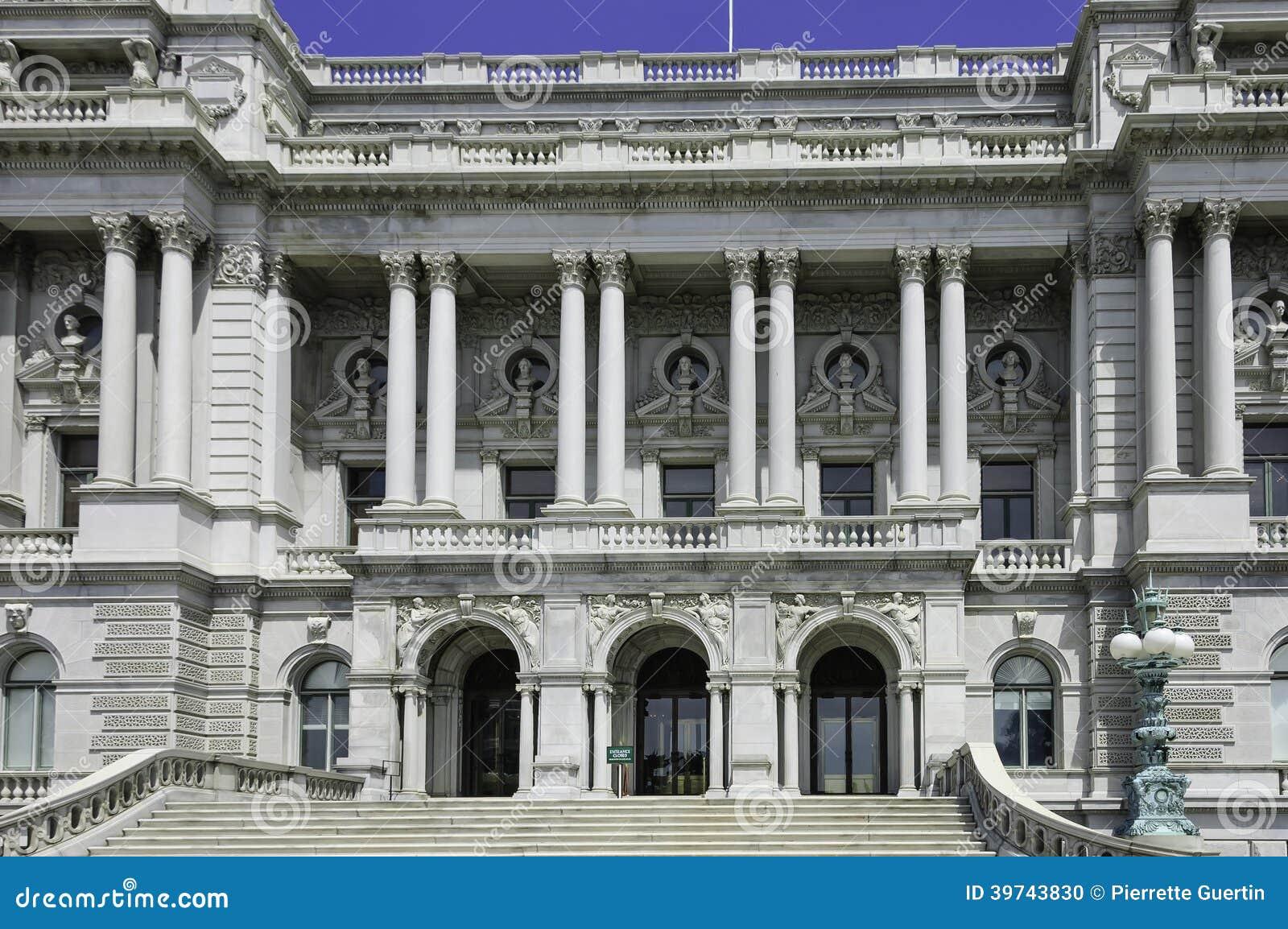 历史的托马斯杰斐逊大厦或美国国会图书馆的正面图在华盛顿特区,.图片