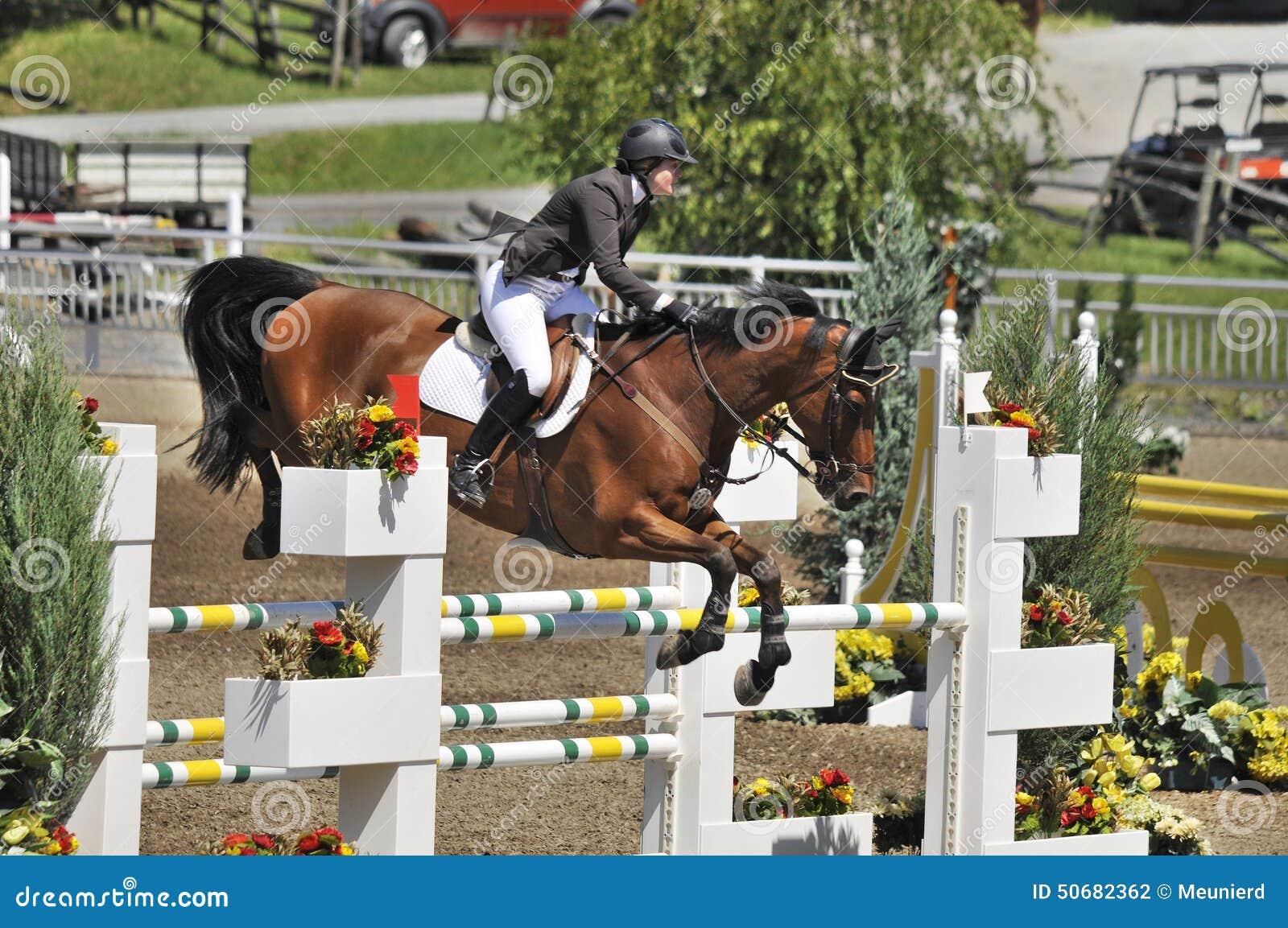 Download 国际BROMONT 图库摄影片. 图片 包括有 7月, 疾驰, 飞跃, 国际, 农场, 蒙特利尔, 骑马 - 50682362