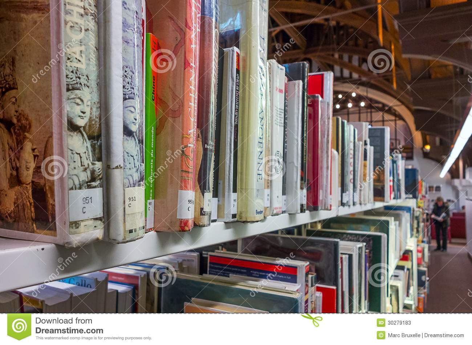 图书馆书架看法