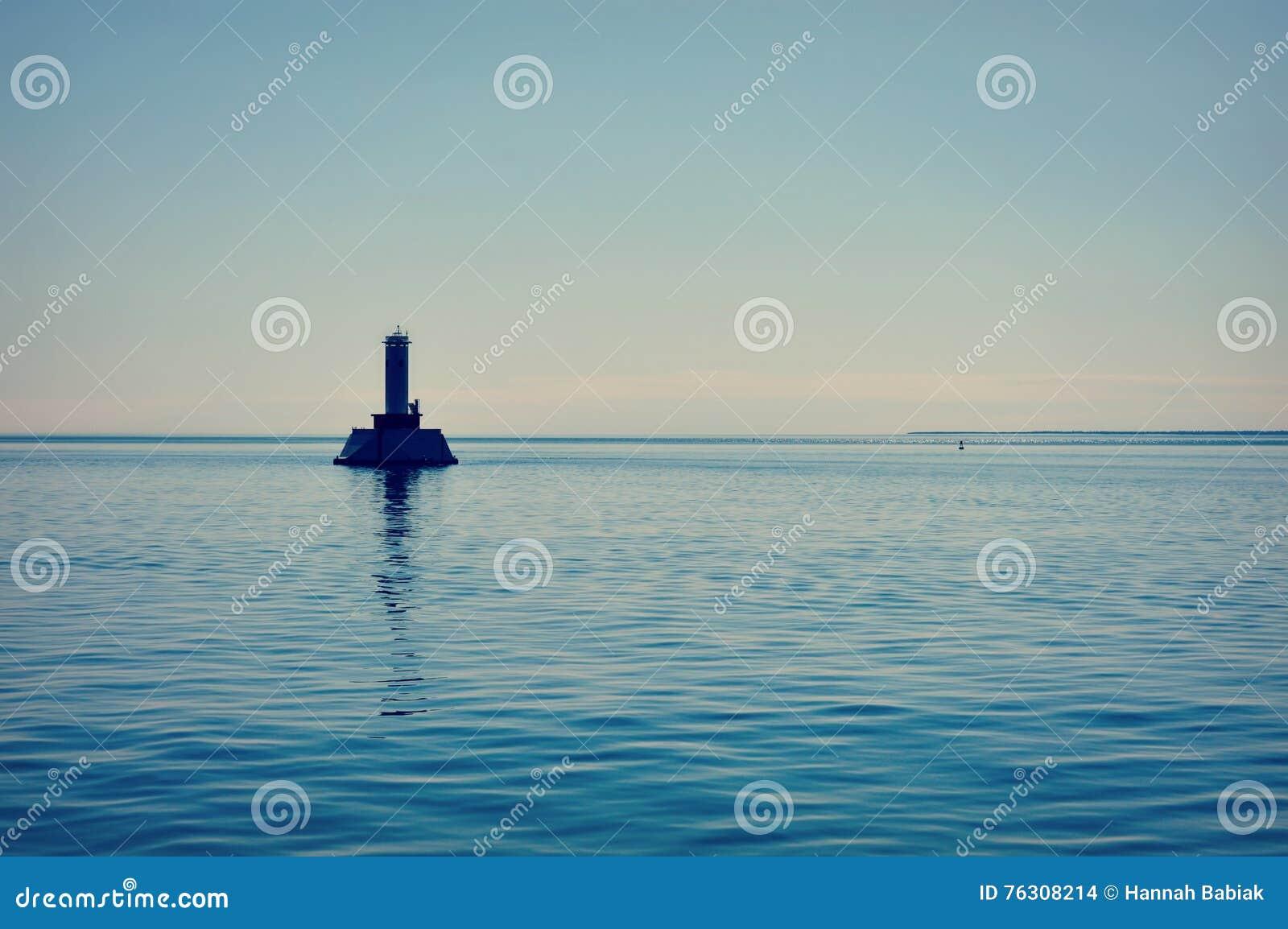 圆的海岛段落灯塔,密歇根湖