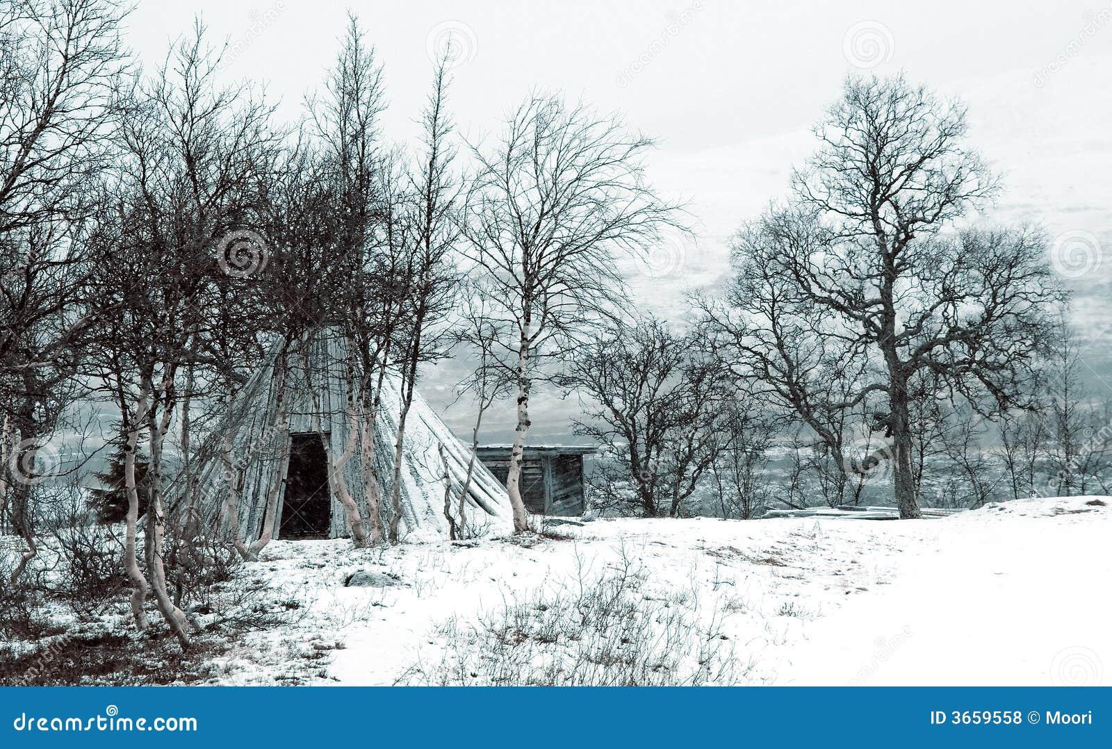 圆锥形帐蓬冬天