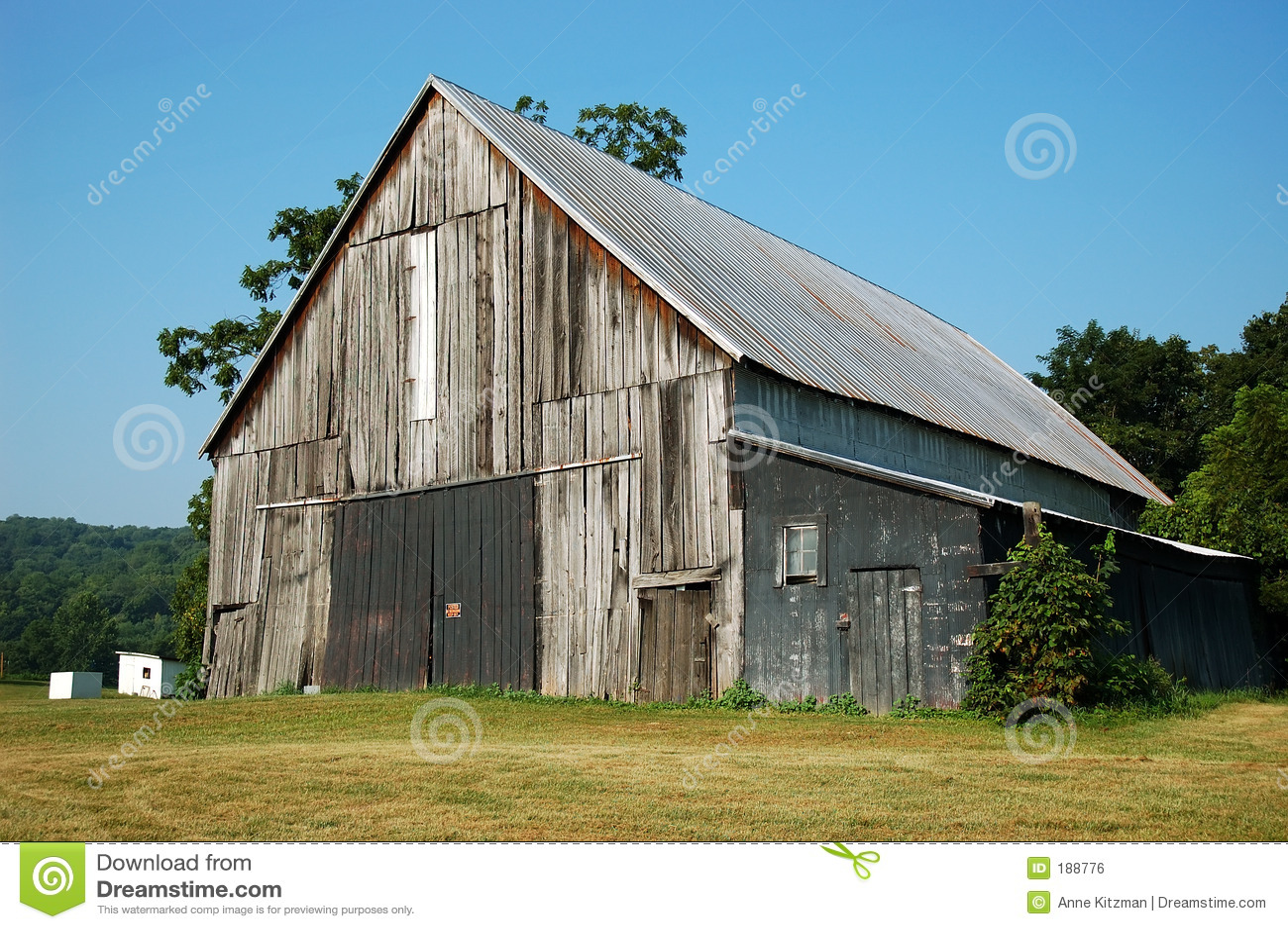 土气的谷仓