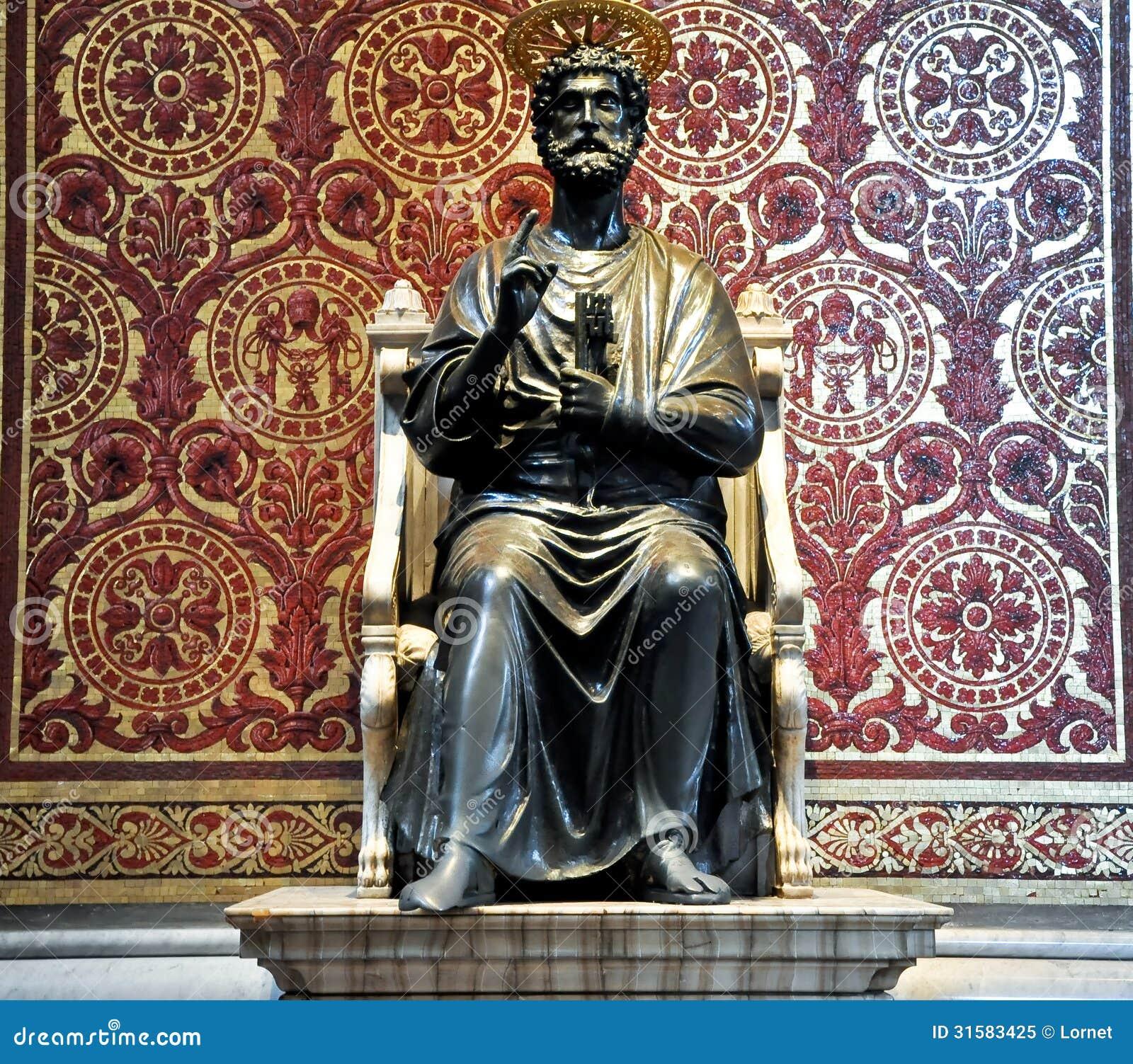圣伯多禄雕象。梵蒂冈。