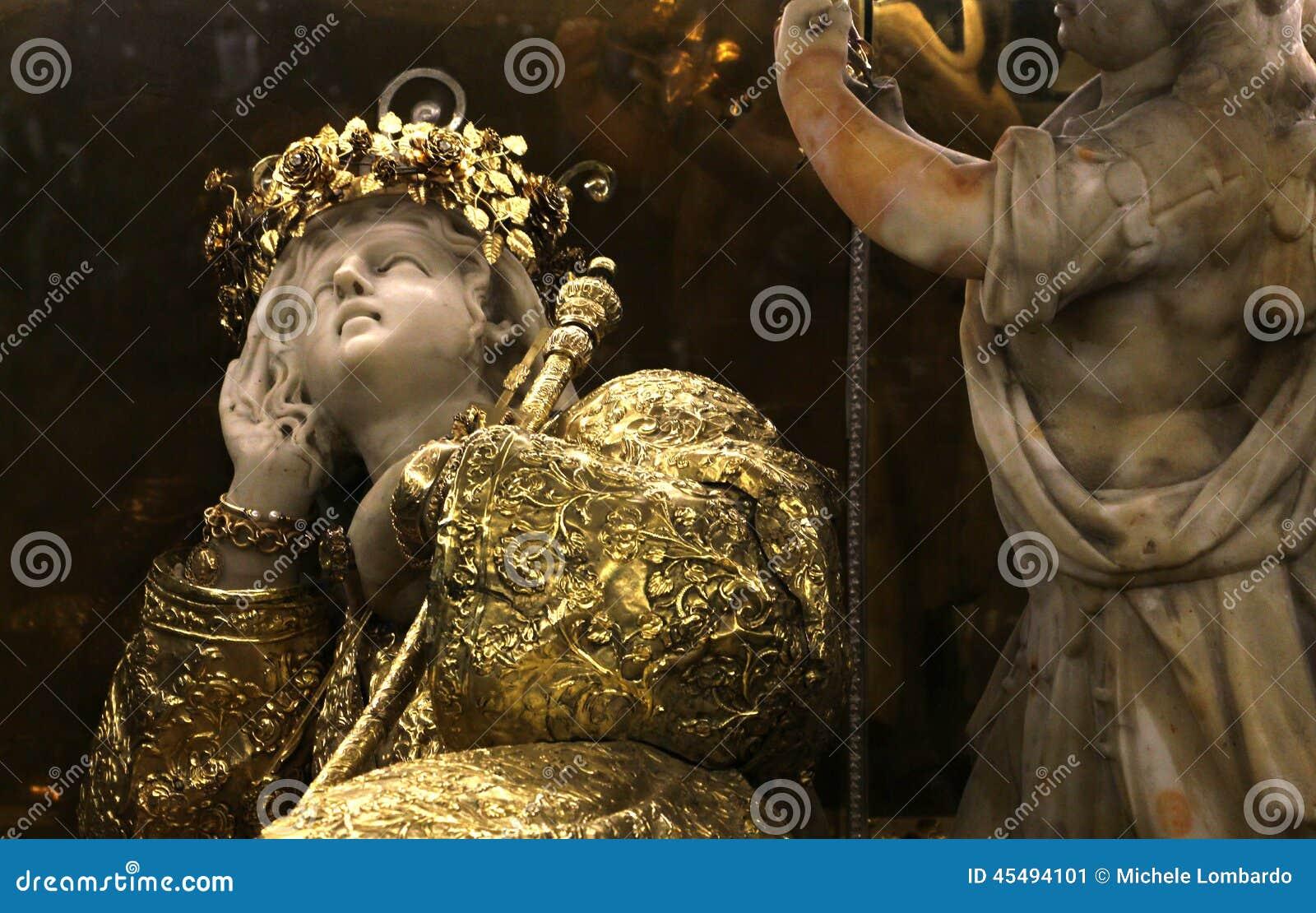 圣塔罗萨莉娅、大理石和金子雕象