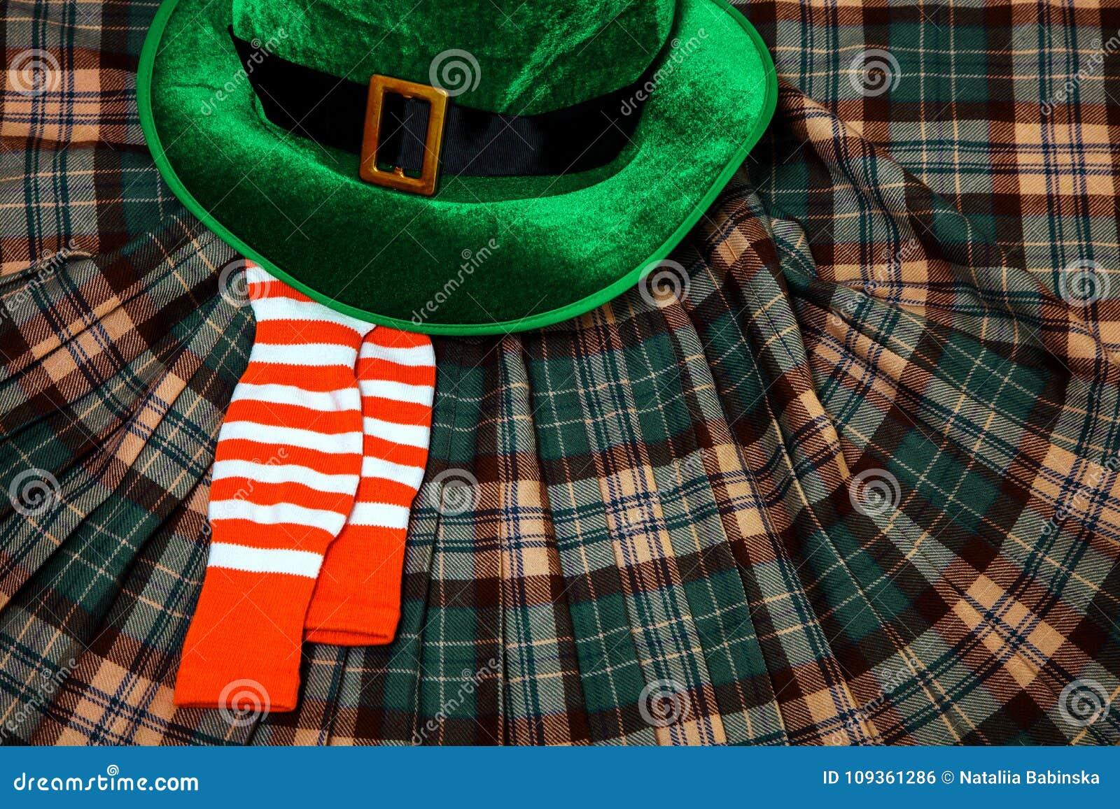 圣帕特里克` s天服装帽子妖精假日绿色苏格兰男用短裙礼物爱尔兰语栓心脏棕色3月袜子
