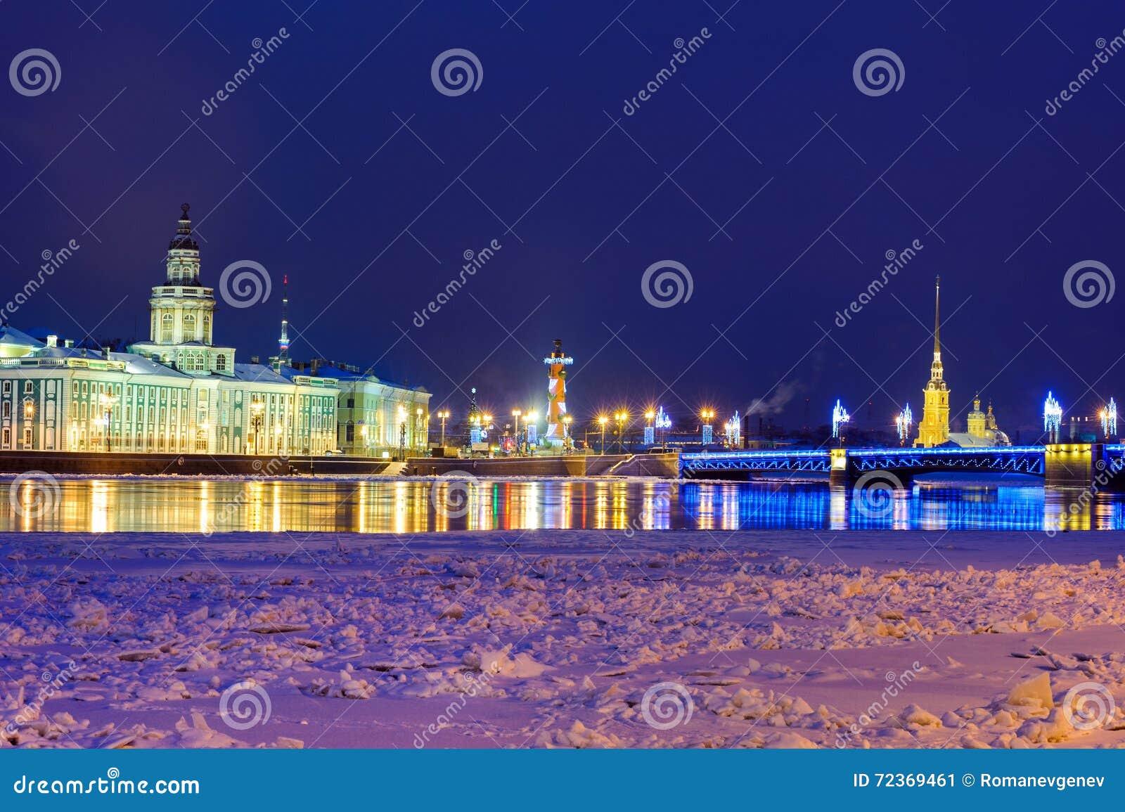 圣彼德堡在晚上
