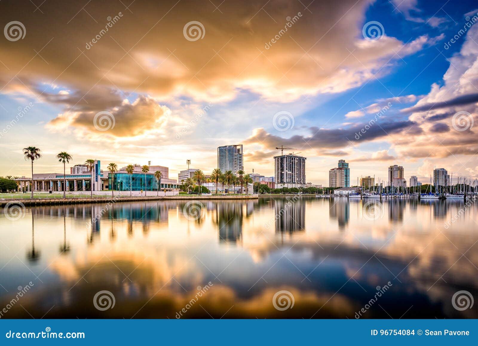 圣彼德堡,佛罗里达地平线