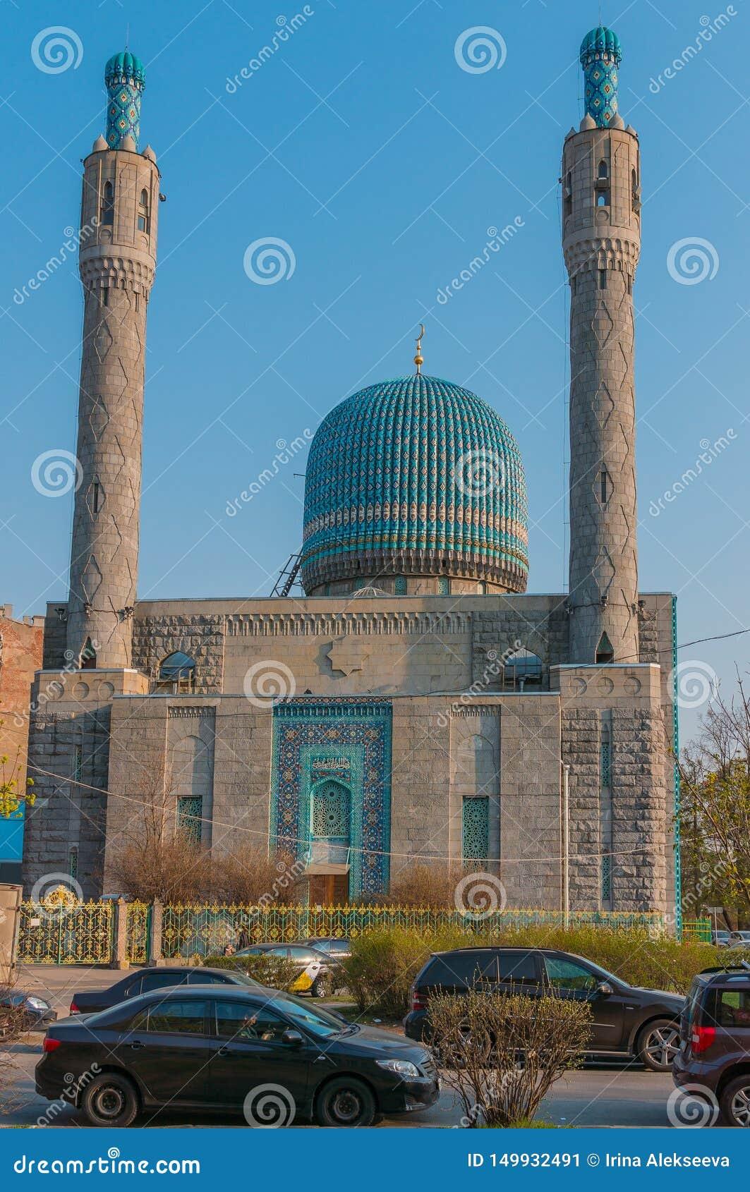圣彼德堡,俄罗斯- 04 26 2019年:圣彼德堡大教堂清真寺是一个宗教大厦 建筑学的纪念碑
