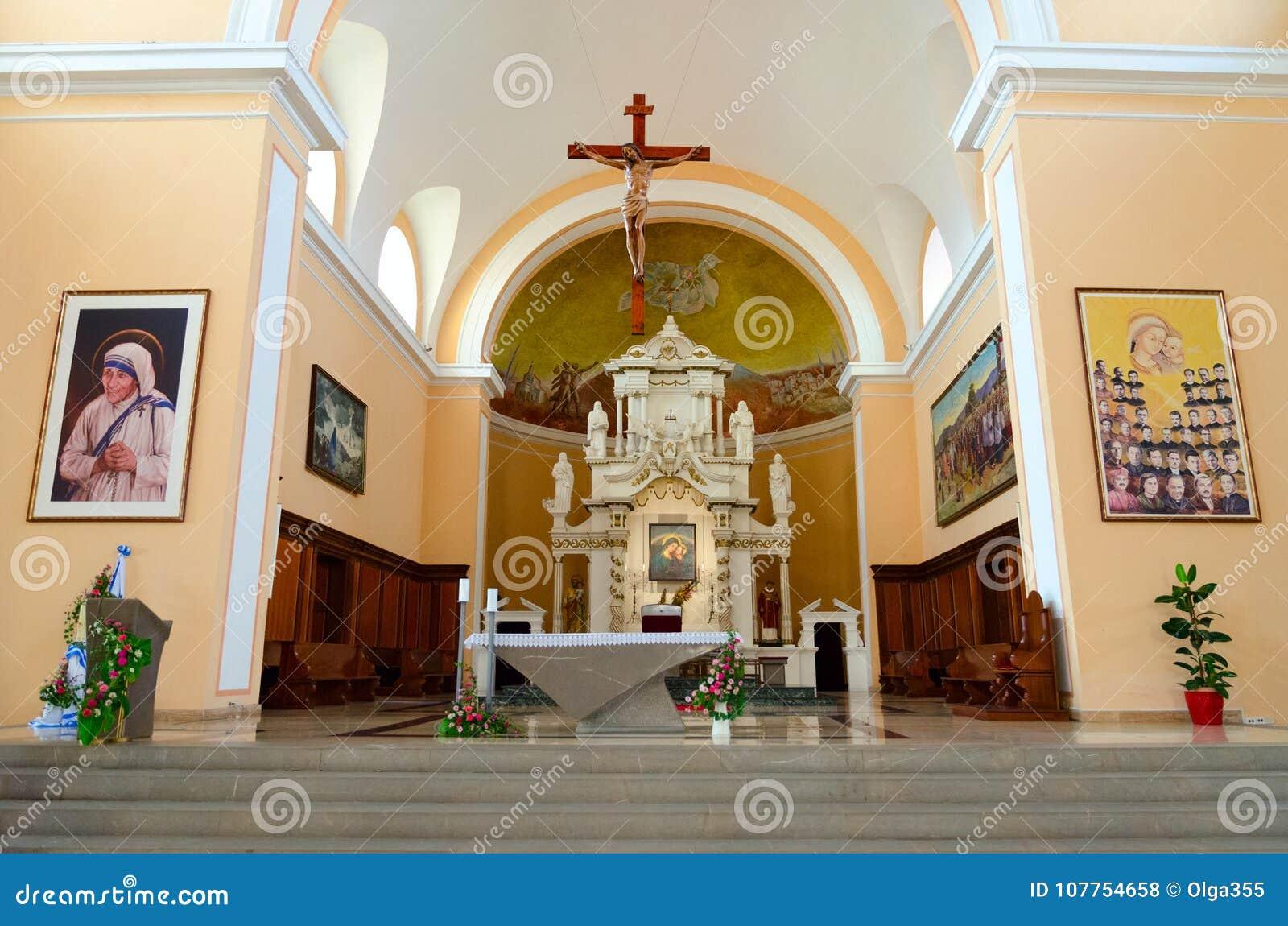 圣斯蒂芬` s大教堂内部在斯库台,阿尔巴尼亚