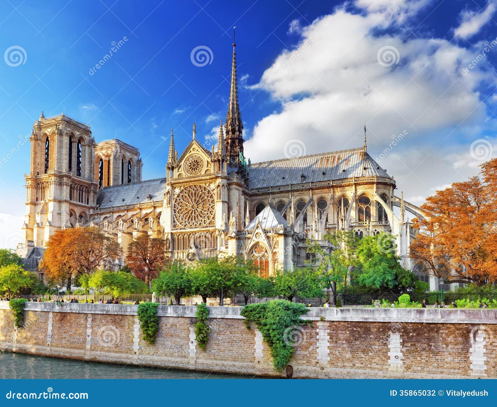 巴黎圣母院大教堂.