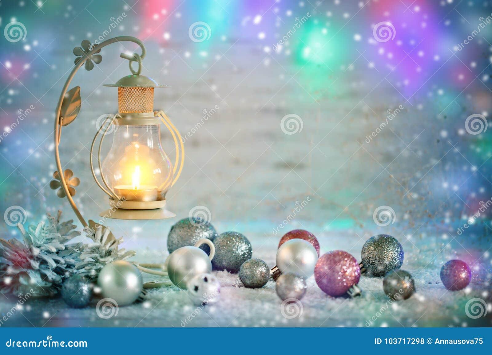 圣诞快乐和新年好 与新年装饰的新年` s背景 新年` s卡片