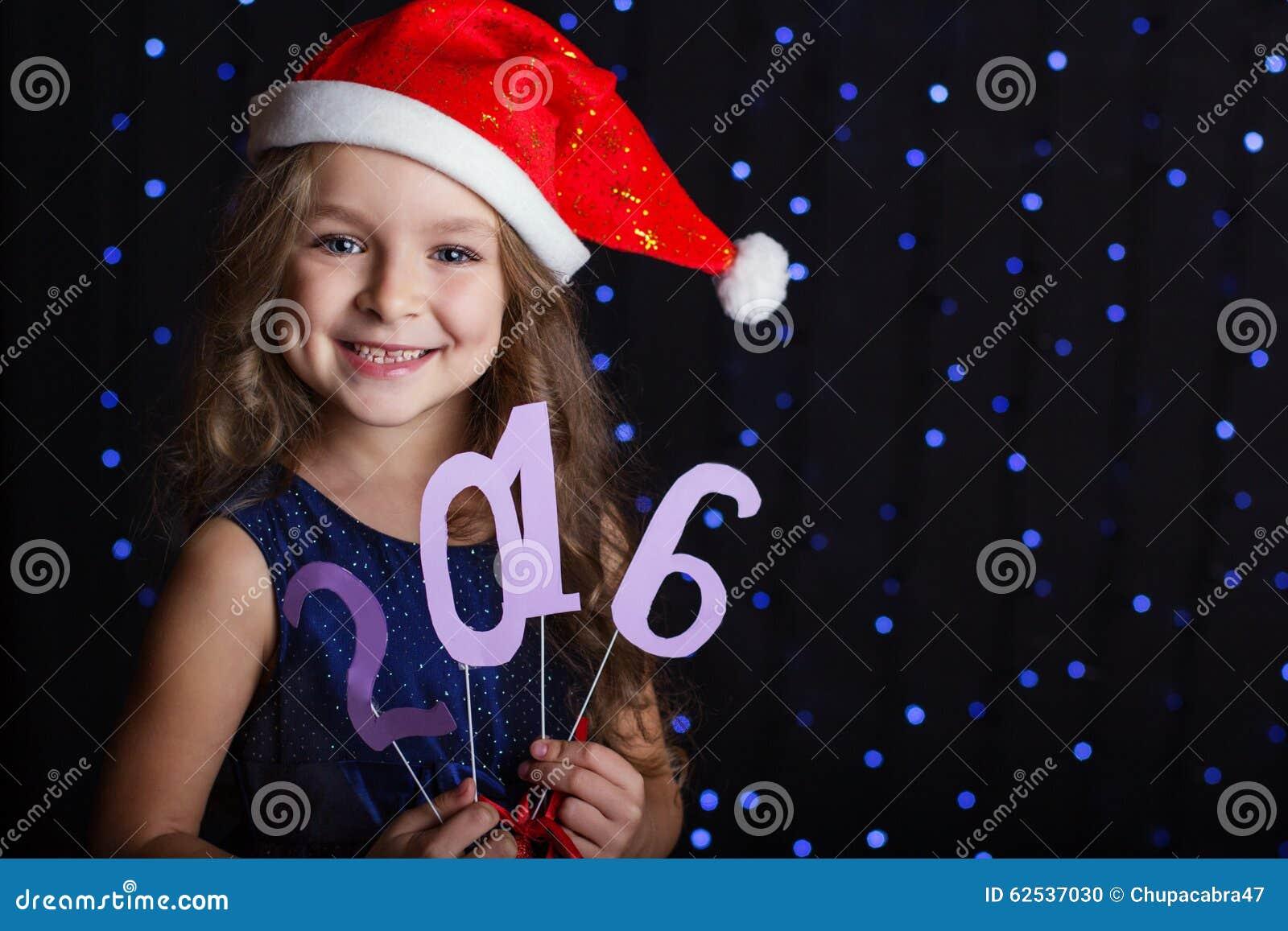 圣诞老人女孩与新年日期2016年