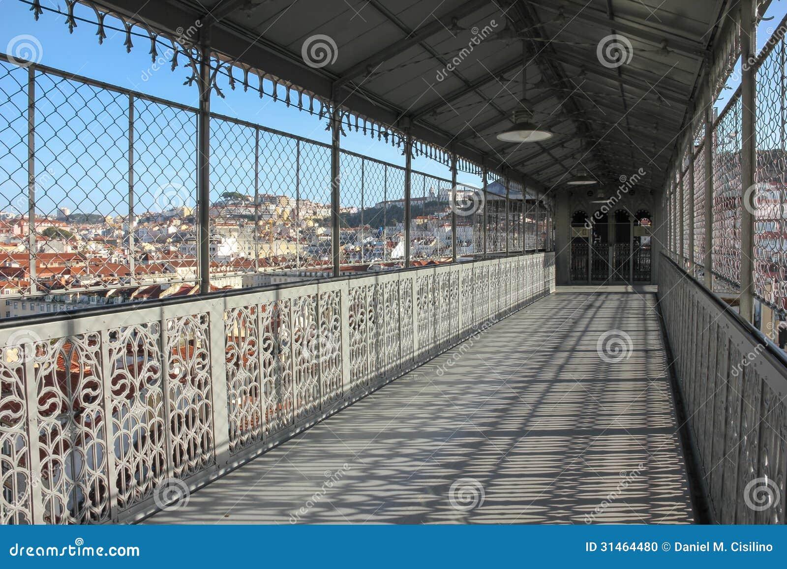 从圣诞老人Justa推力的走道的看法。里斯本。葡萄牙