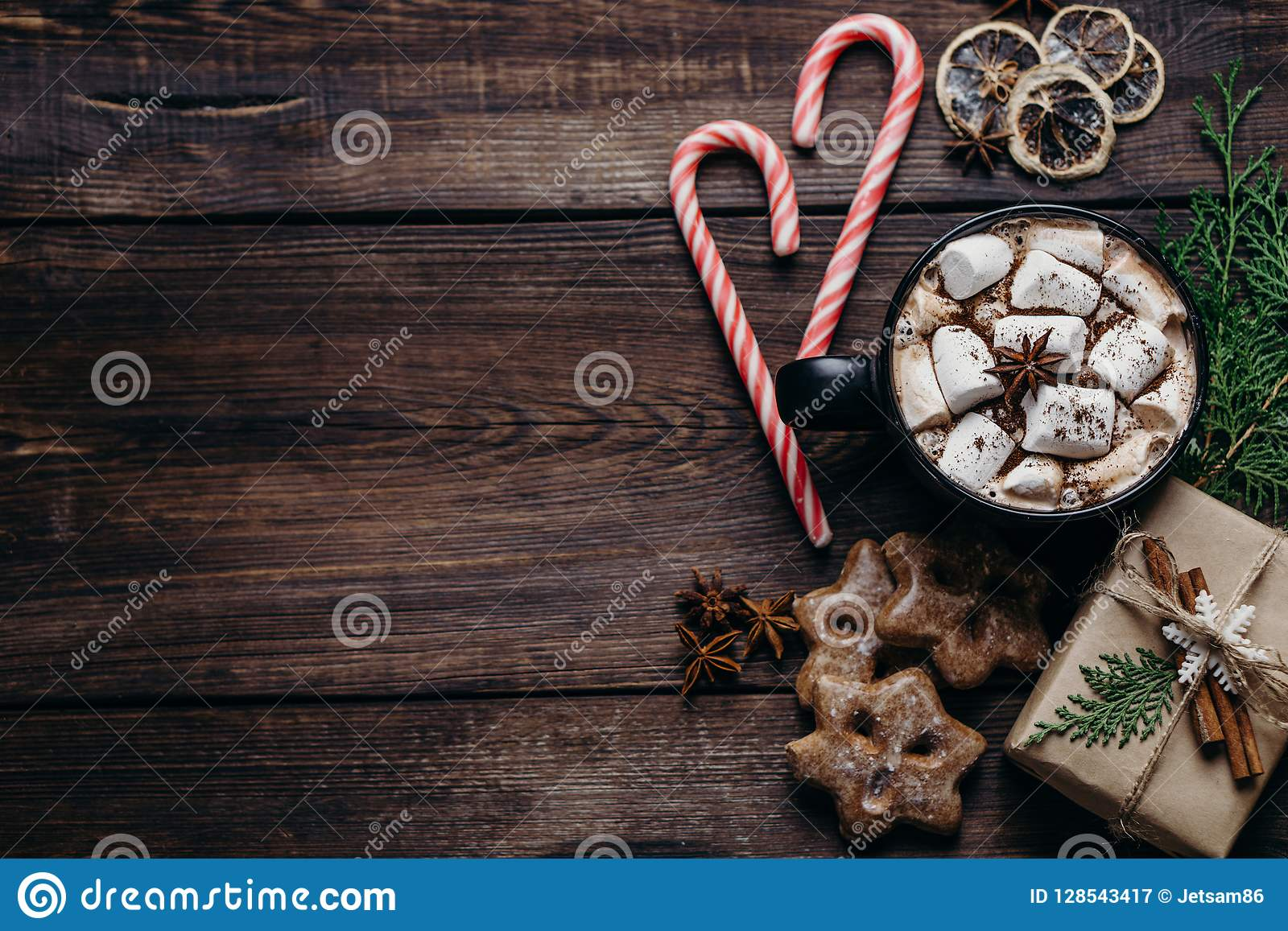 圣诞节和新年假日构成