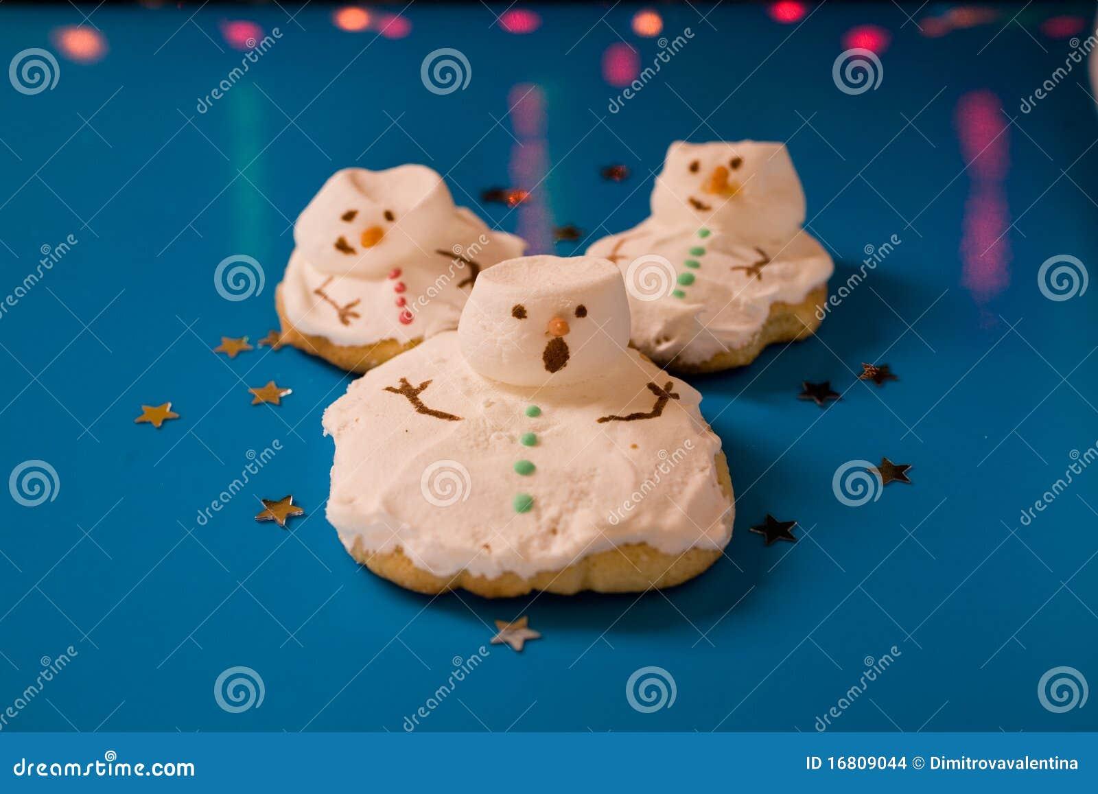 圣诞节曲奇饼熔化的雪人