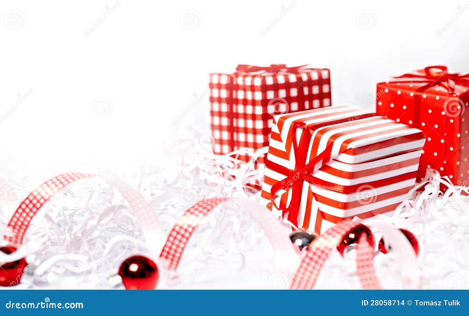 圣诞节有中看不中用的物品的礼物盒.